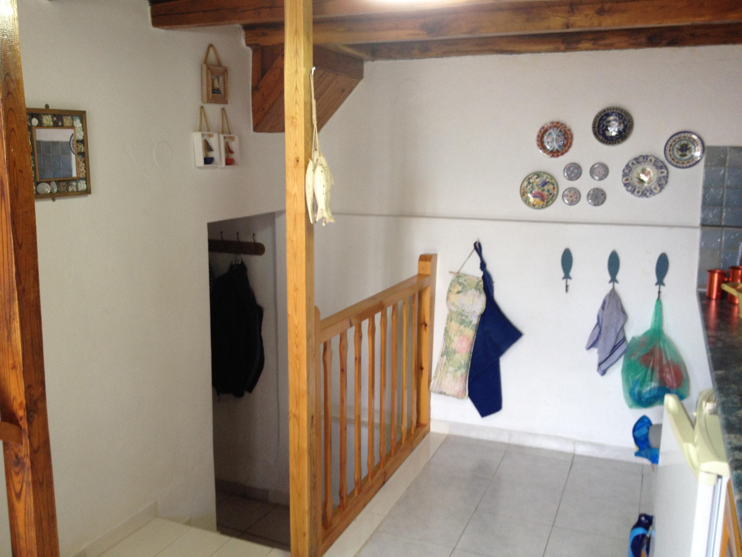 Kitchen Steps to Utility Room.jpg