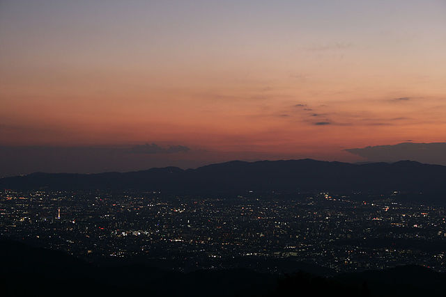 Kyoto_City_to_view_from_Mt._Hiei_-_panoramio.jpg