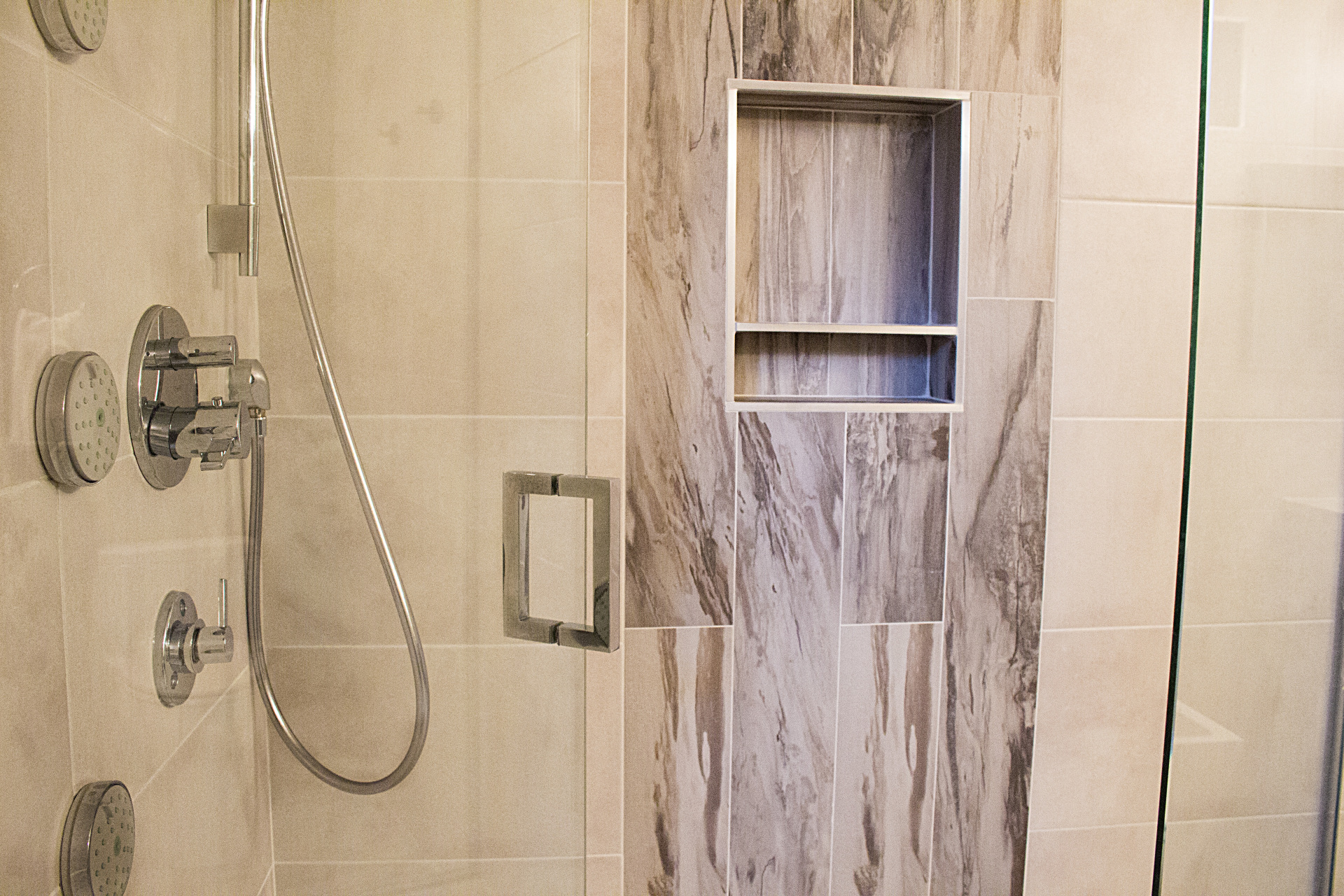 Tong Residence - Shower - Tatiana Interior Design