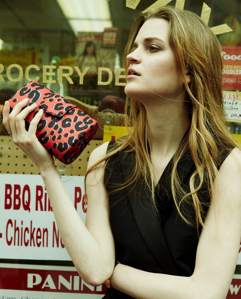 Impeccably crafted from rare fabrics and fine leathers, Alexandra New York offers dynamic, one-of-a-kind hard clutches that meld style and function.                                                                                            Handmade in New York City, the bags feature a signature rounded shape—of Alexandra's original design—that has been wrapped in vintage fabric or soft leather. Its curves accentuate a wide base that fits easily in the hand while allowing for maximized storage.   -