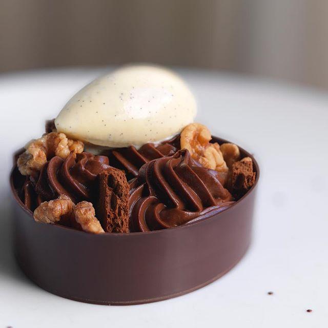"""""""Walnut Brownie"""" Dark Chocolate Mousse, Candied Walnut, & Vanilla Ice Cream. @shvelez #deuxave"""