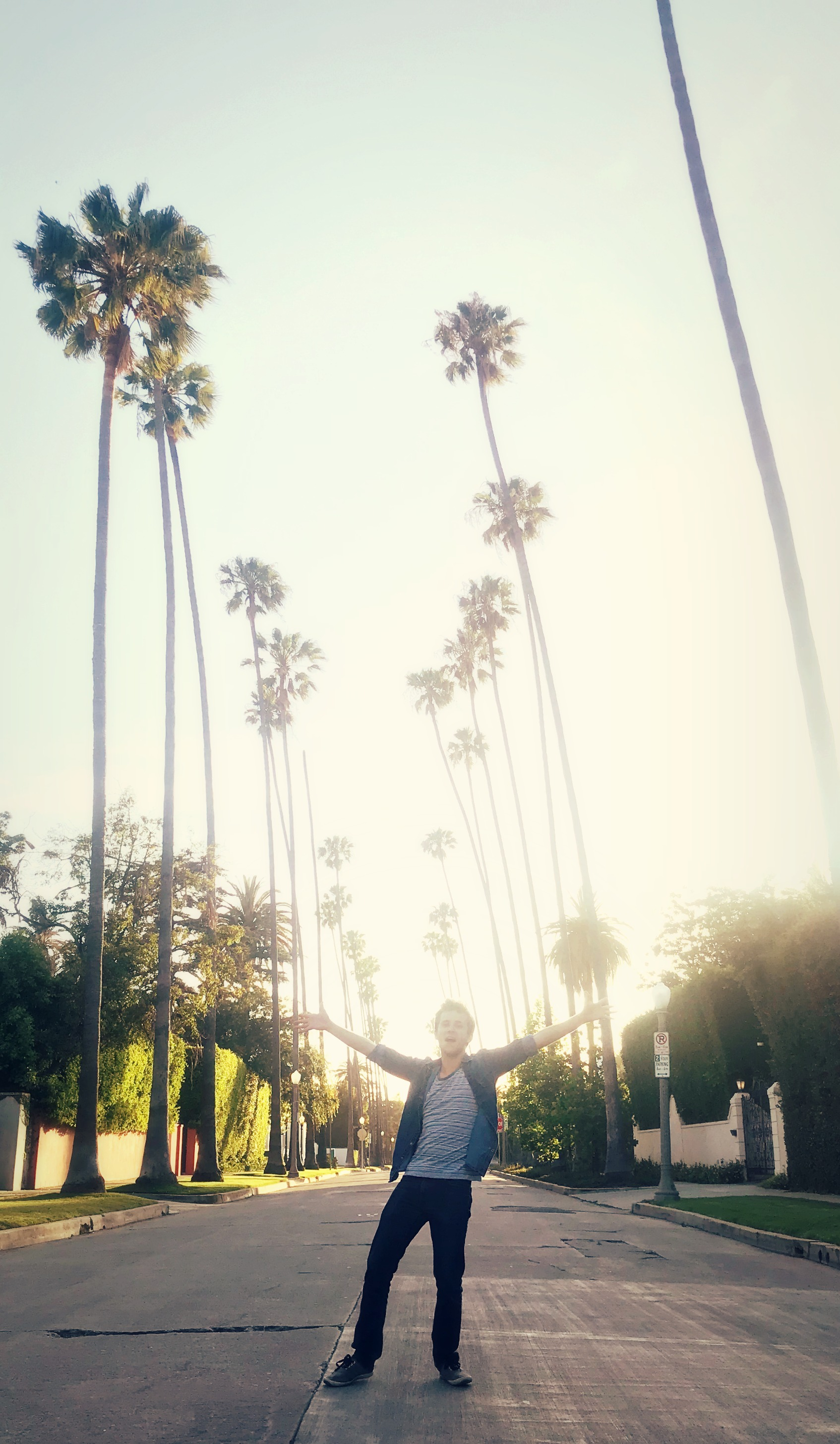I'M BACK -                     (IN LA)