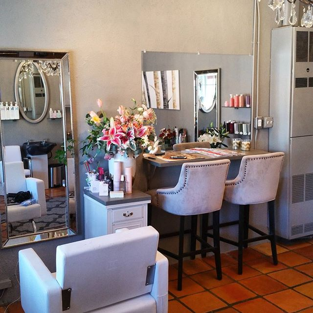 The salon ♡♡♡ . . . #hair #makeup #makeupartist #photoshoot #creative #hairandmua #hairstyle #wild #editorial #lookbook #photography #love #instagood #santafe #landofenchantment #beauty #newmexico #thebeautybarsantafe #hairstylist #salon