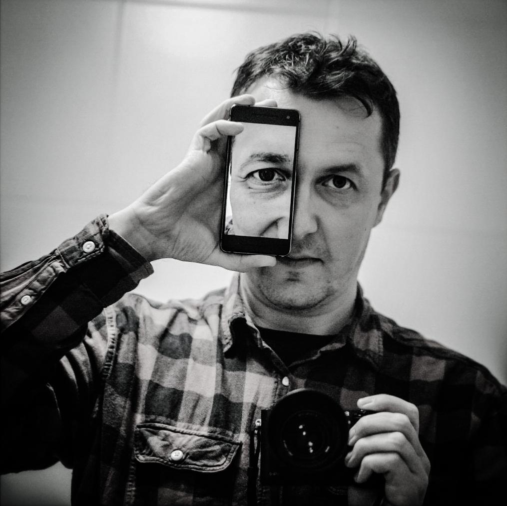 01_headshot.jpg