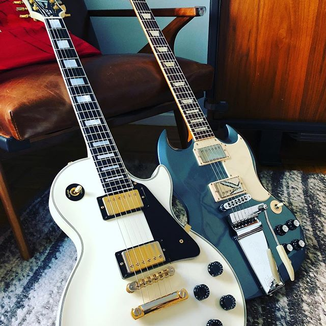 New additions to the Airlift squadron. #lespaul #lespaulcustom #gibson ##sg #jefftweedy #jefftweedysg #gear #gearporn #newguitar