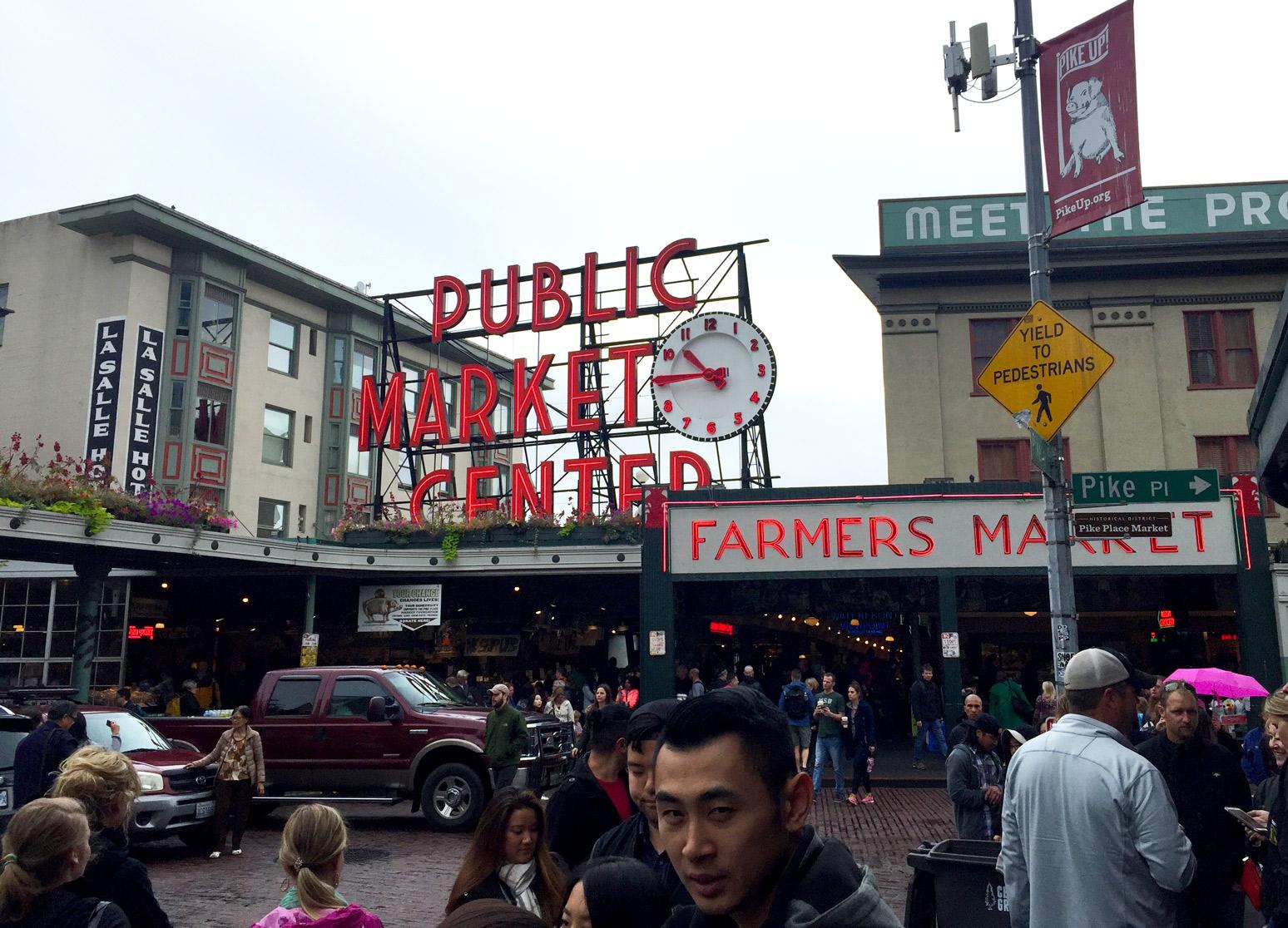 Public-Market-Seattle-Sign