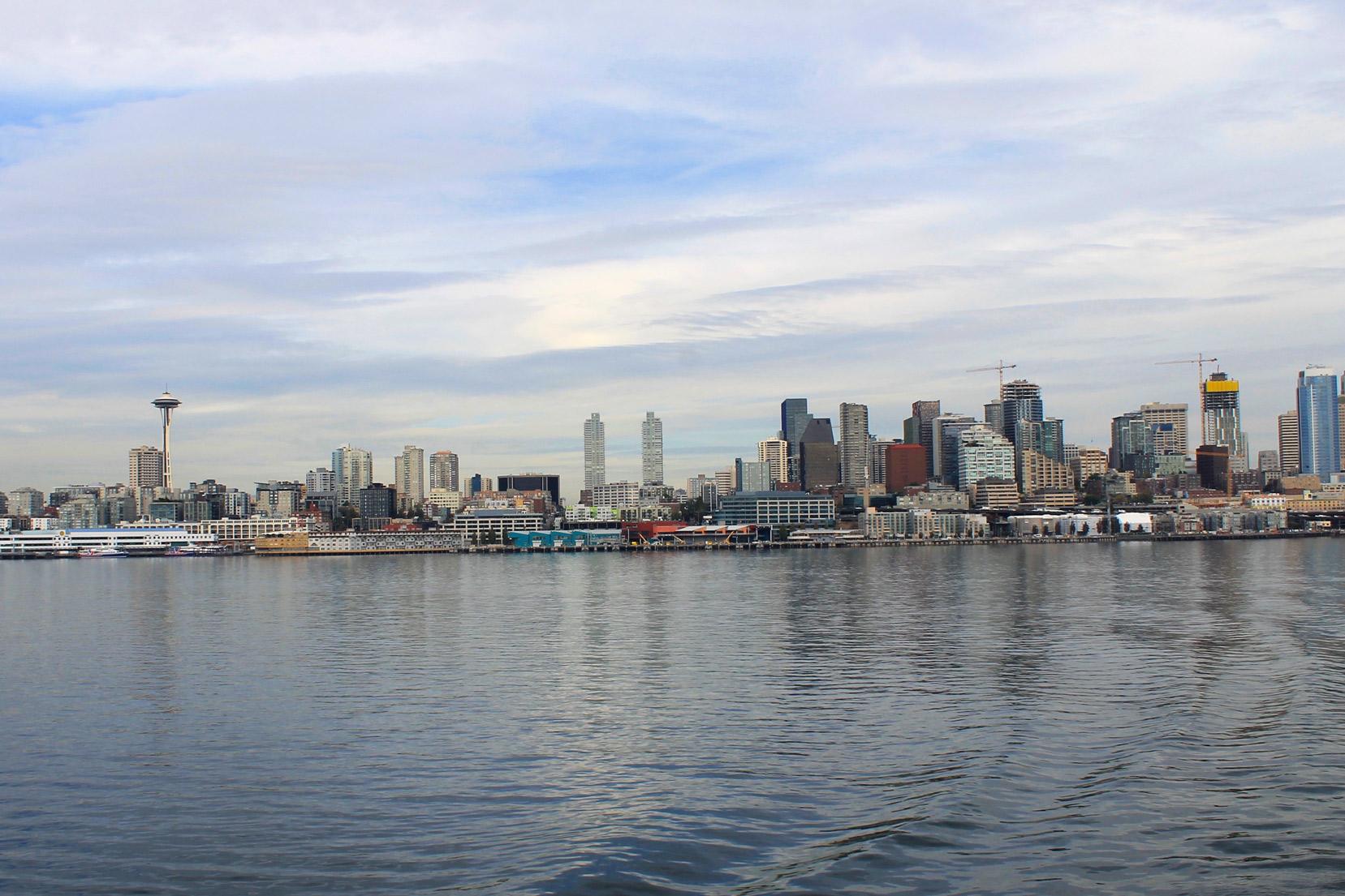 Bainbridge-Island-Ferry-Seattle-Skyline-View.jpg