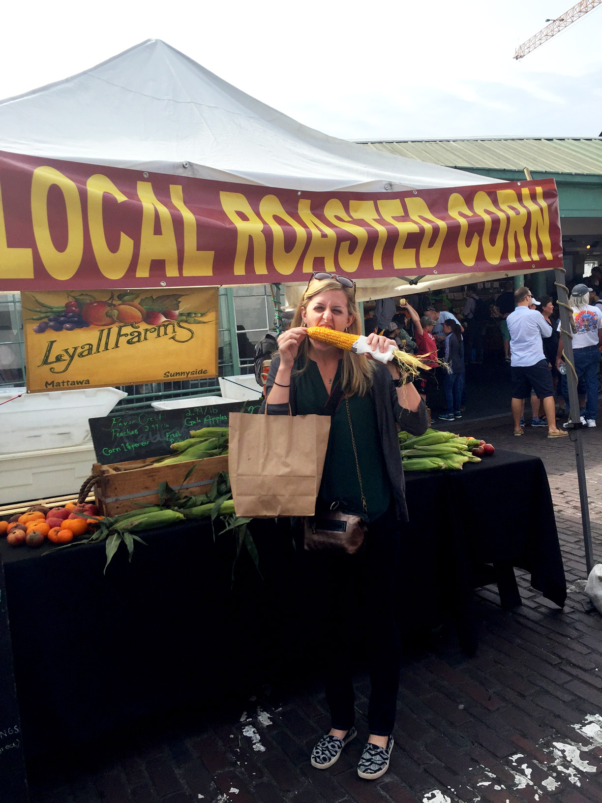 Pike-Place-Market-Farmer-Stand.jpg