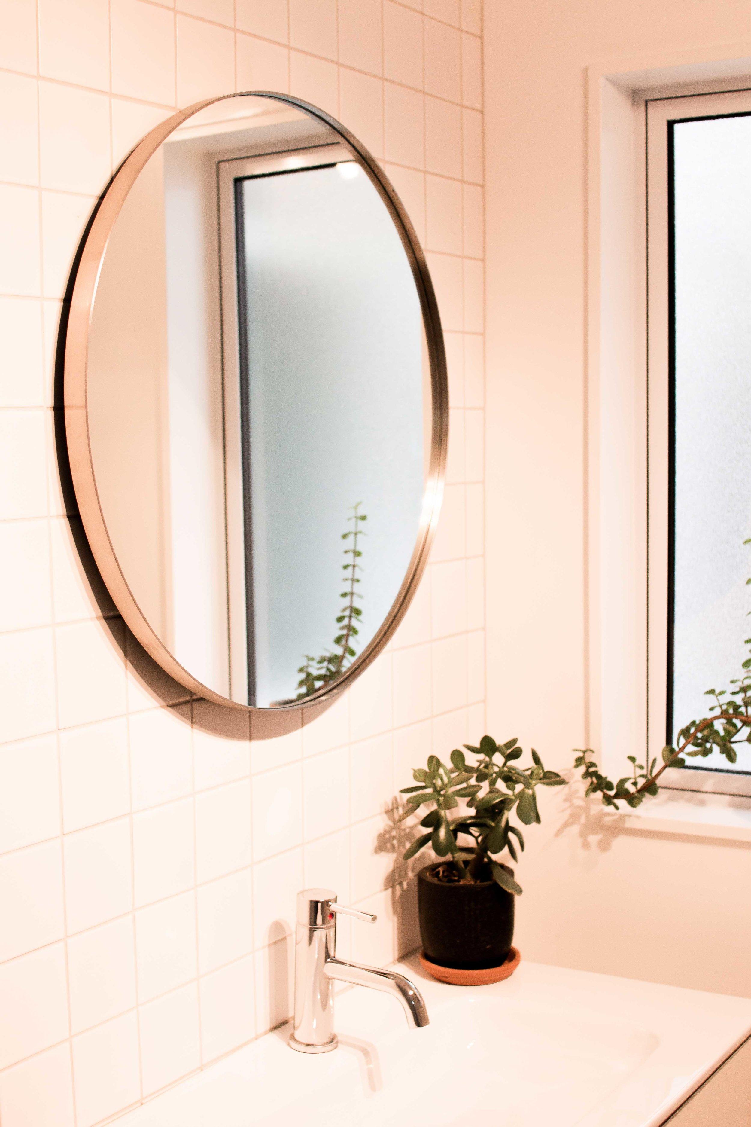 650-stainless-bathroom-mid-low.jpg