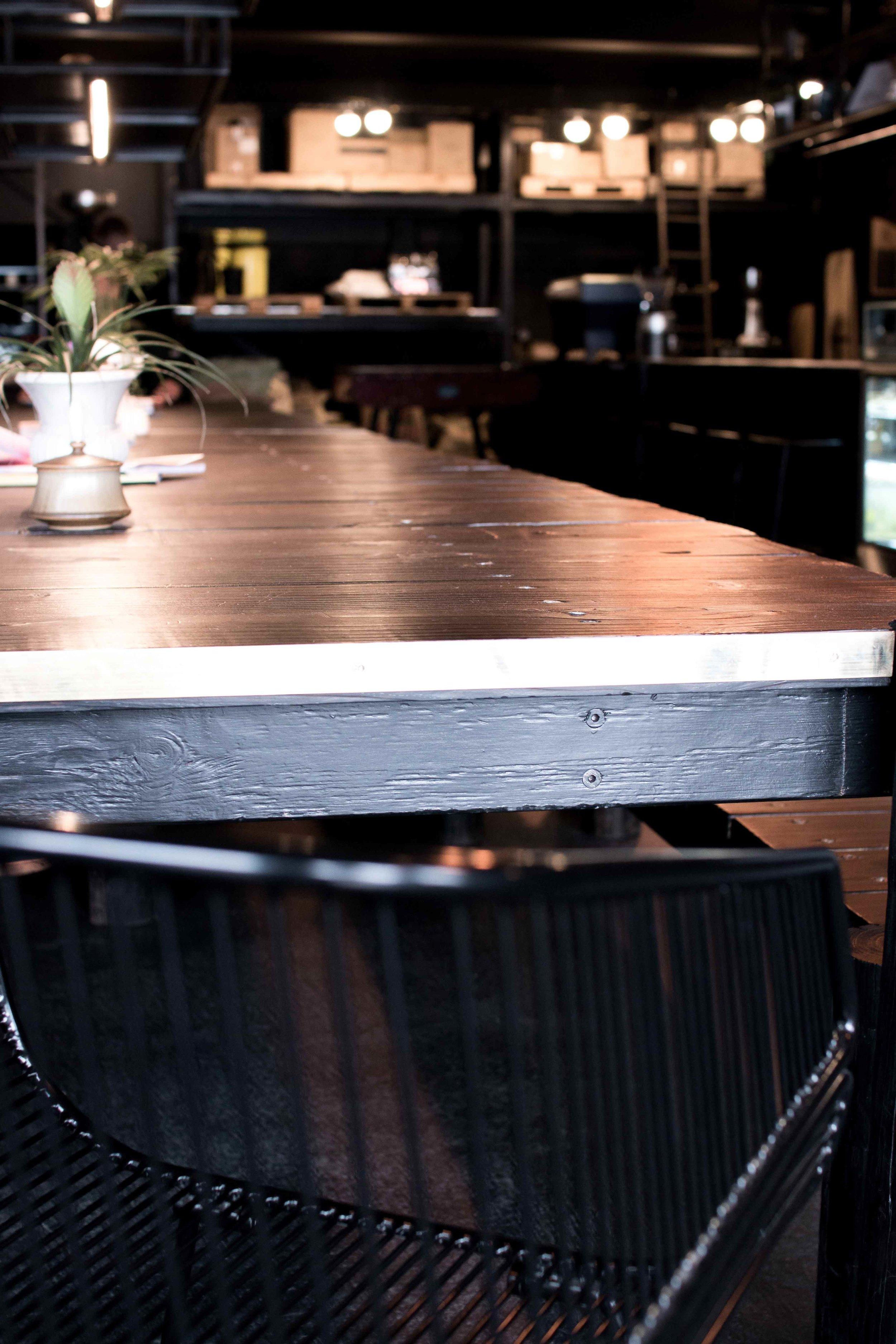 table-detail-low.jpg