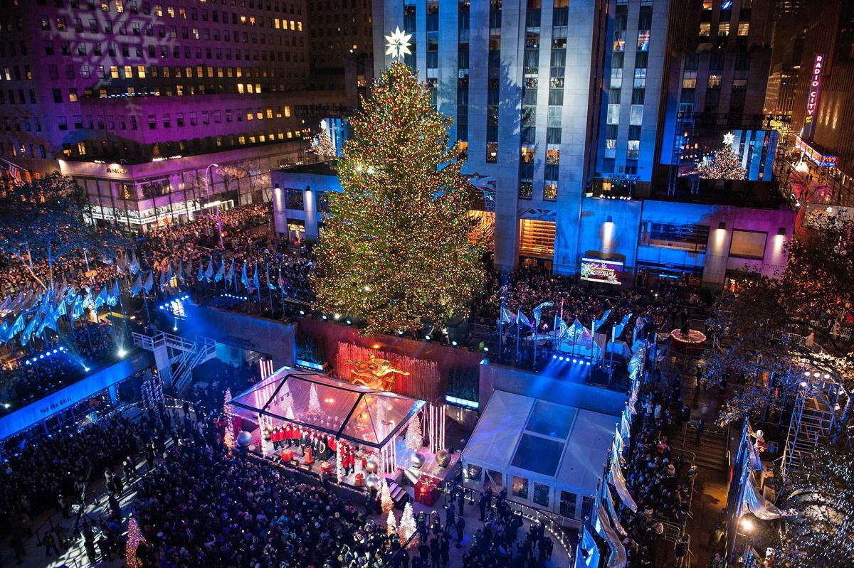 83rd-rockefeller-center-tree-lighting-2015.jpg