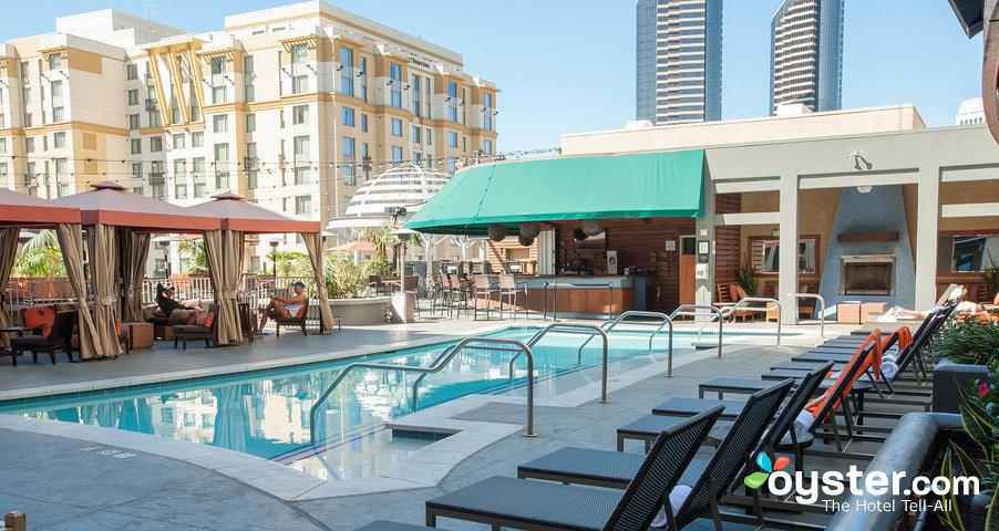 pool--v4371429-w902.jpg