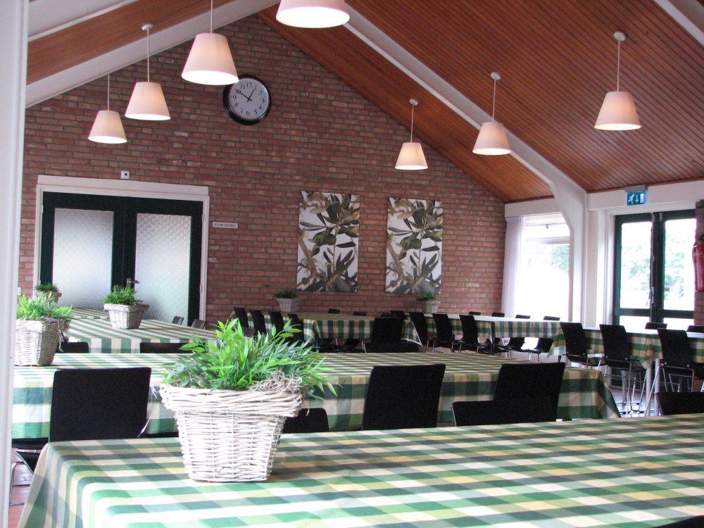 intern-restaurant1.jpg