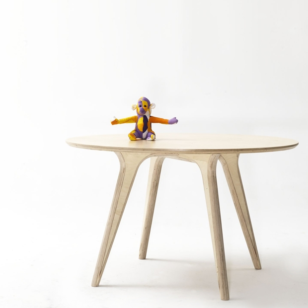 th_047b54d3a9e15dcdffb591d76d44c4a4_earl_pinto_custom_furniture_lighting_plywood_dining_table_2.jpg