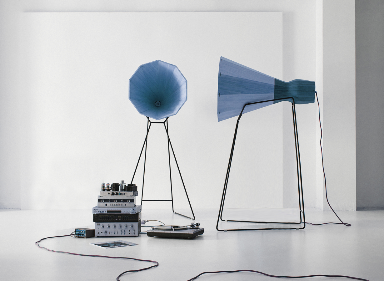 Hornspeakerslowres3 blue.jpg