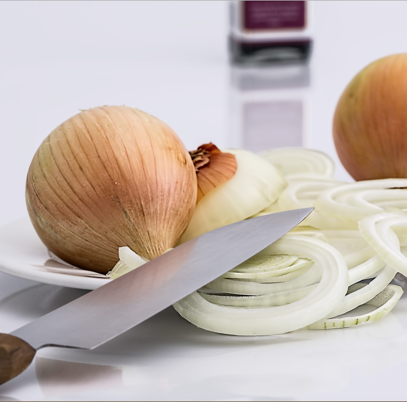 (According to    National Onion Association     🙄  onions can help reduce factors which lead to heart attacks and strokes. And they also make the soup super mega yummy! )
