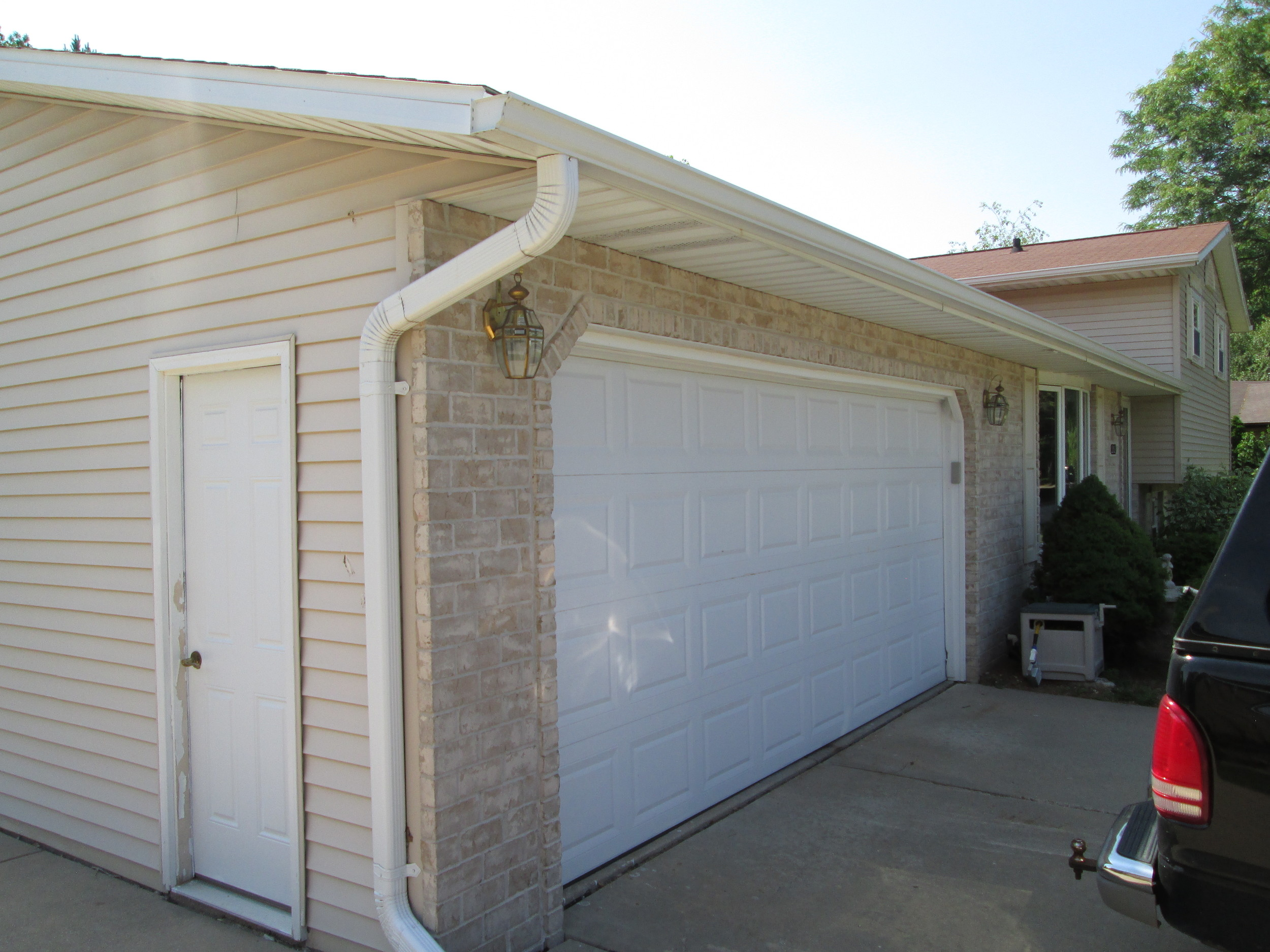 Existing garage 005.jpg