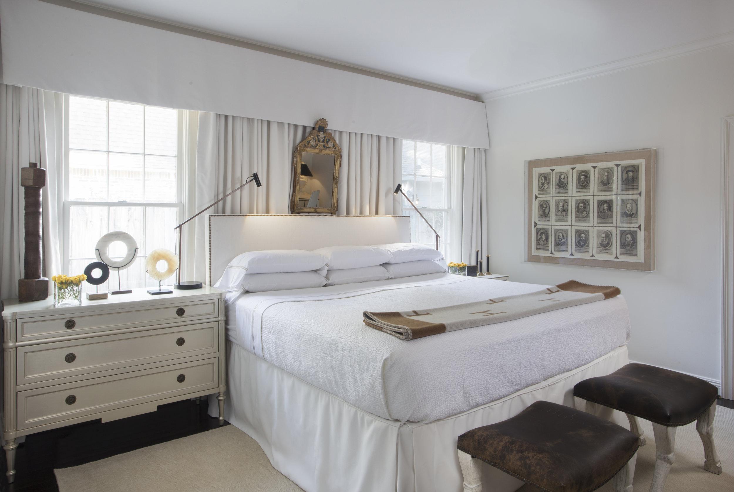 bedroom pic 1.jpg