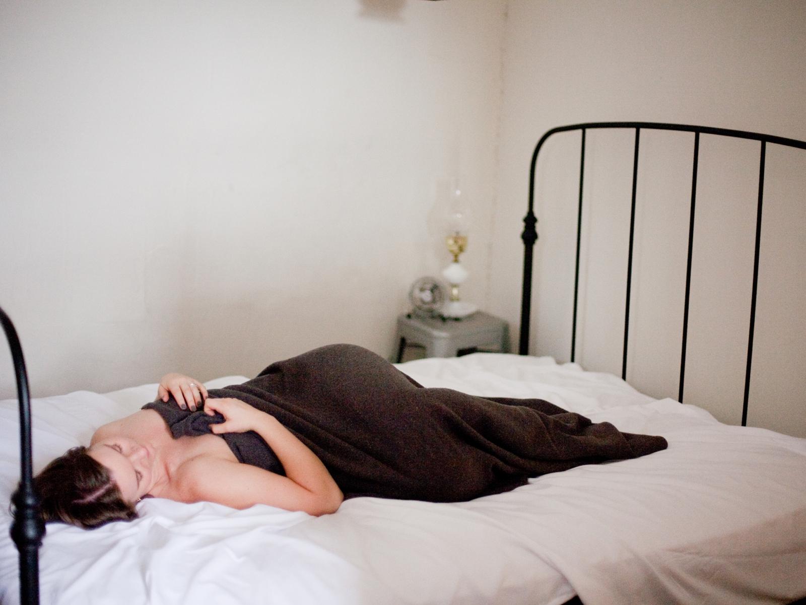 moody fine art boudoir photographer annapolis maryland boudoir photographer shannon griffin_0002.jpg
