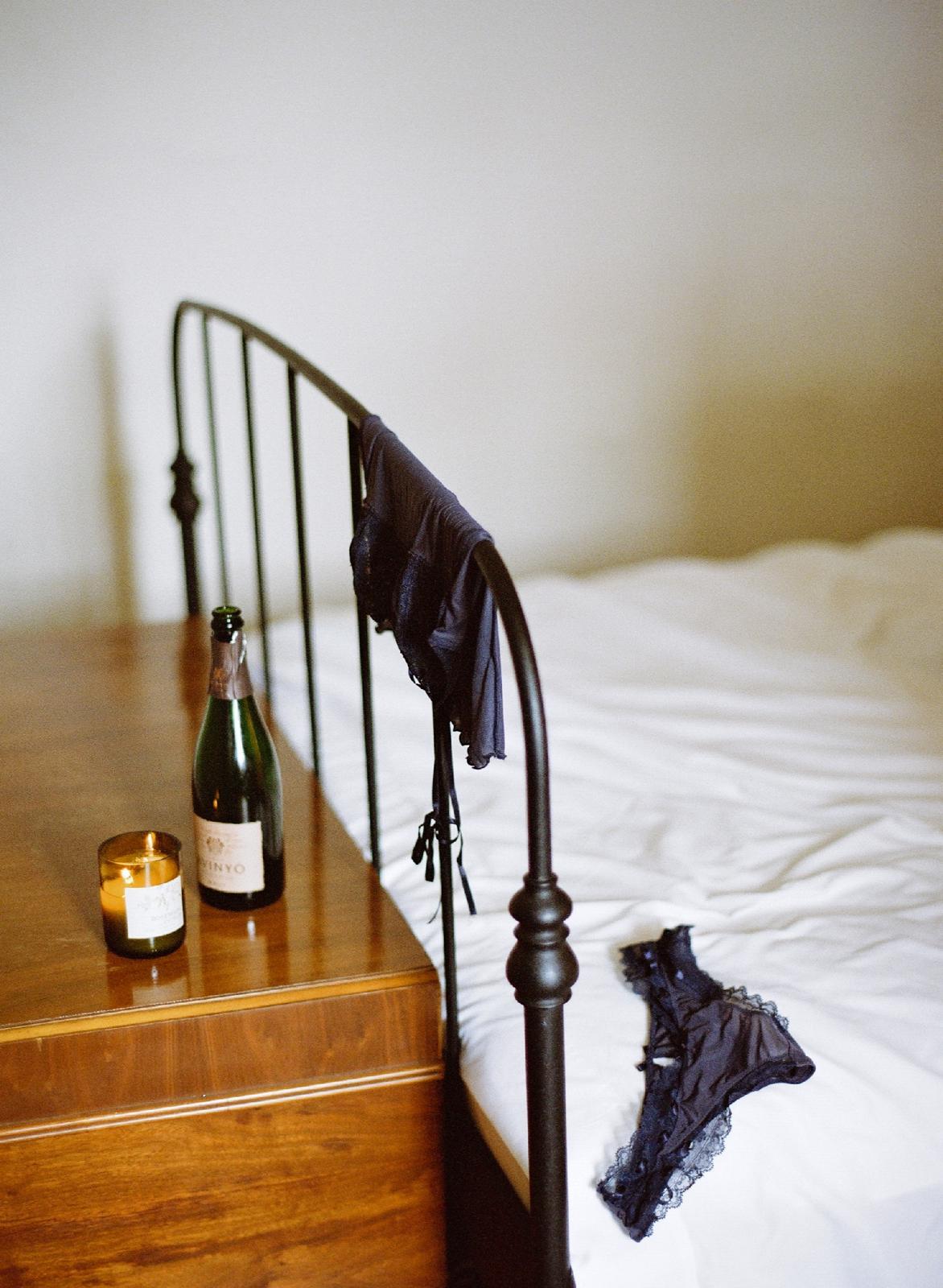 moody fine art boudoir photographer annapolis maryland boudoir photographer shannon griffin_0010.jpg