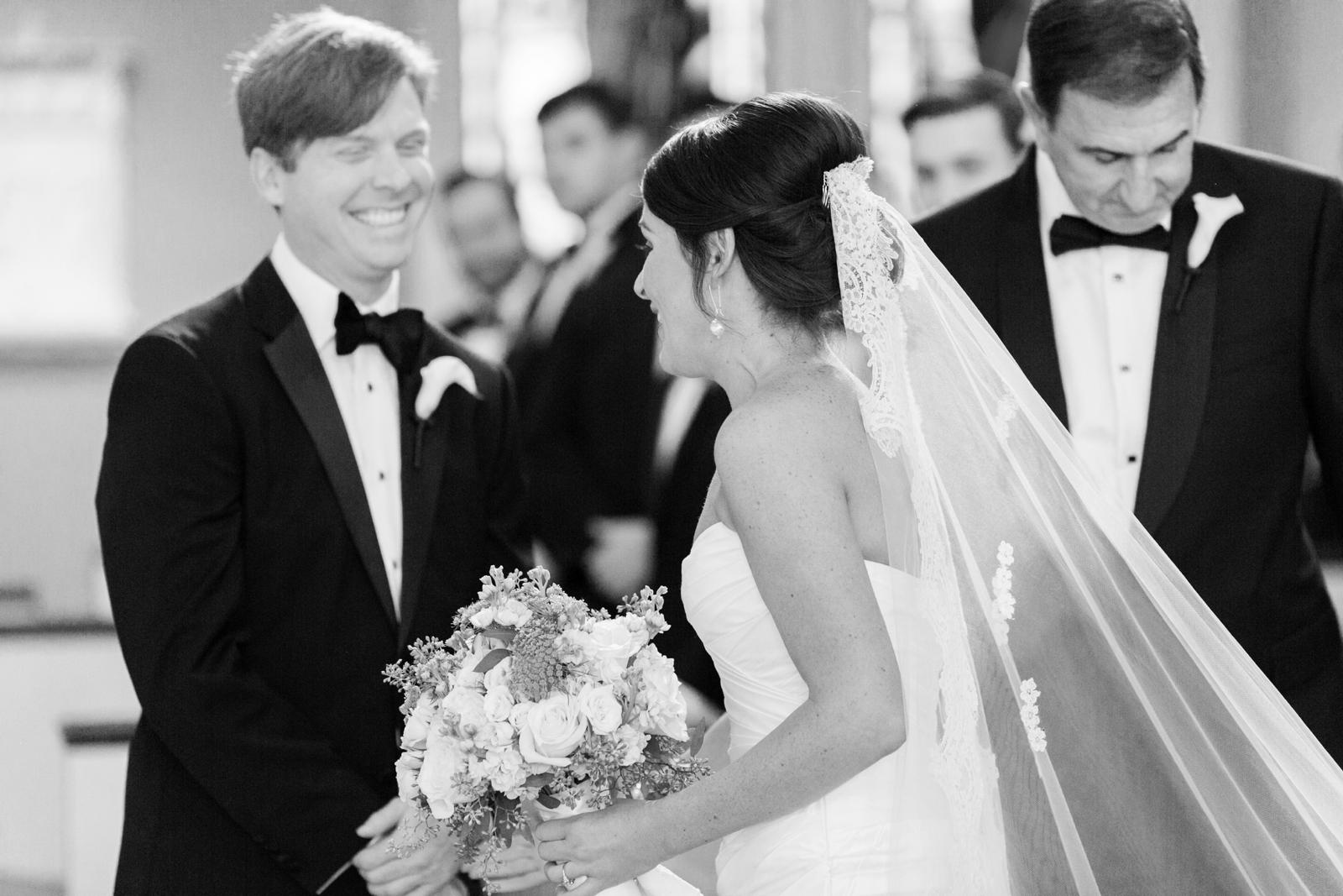 atrium at curtis center wedding photographer philadelphia wedding photographer shannon griffin_0006.jpg