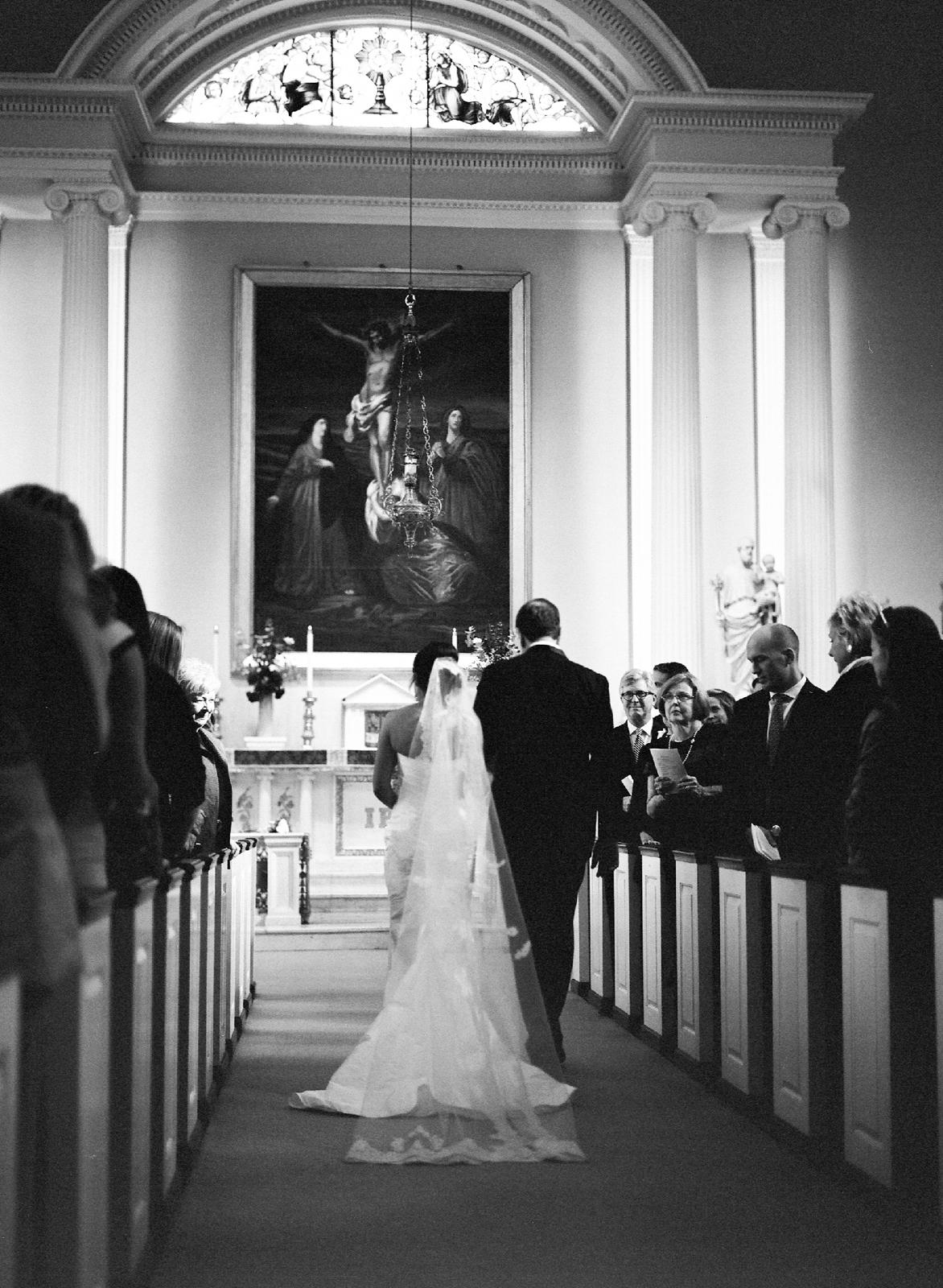 atrium at curtis center wedding photographer philadelphia wedding photographer shannon griffin_0014.jpg