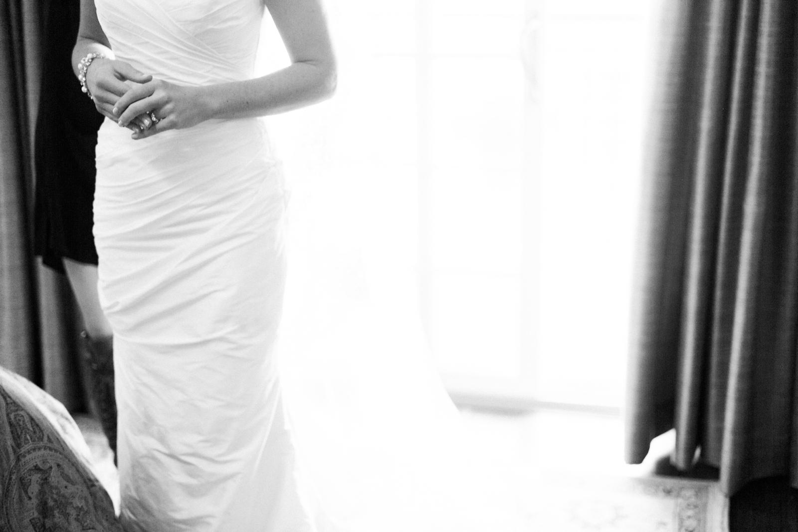 atrium at curtis center wedding photographer philadelphia wedding photographer shannon griffin_0028.jpg