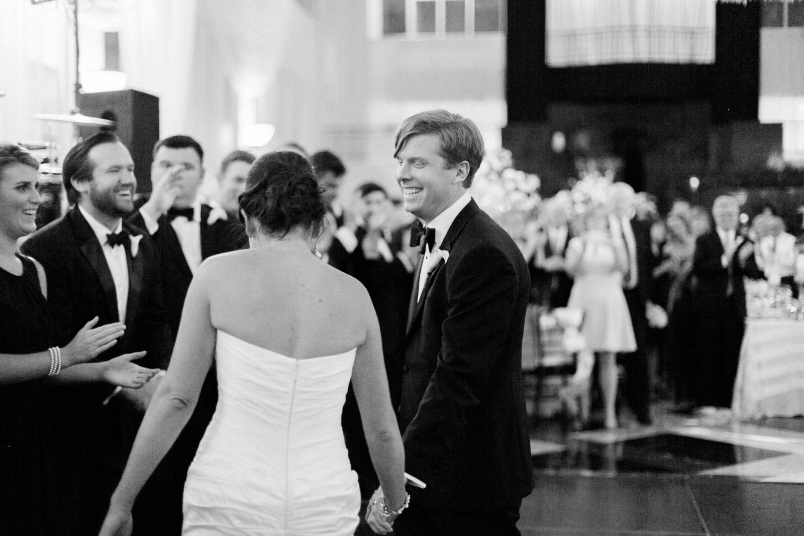 atrium at curtis center wedding photographer philadelphia wedding photographer shannon griffin_0037.jpg