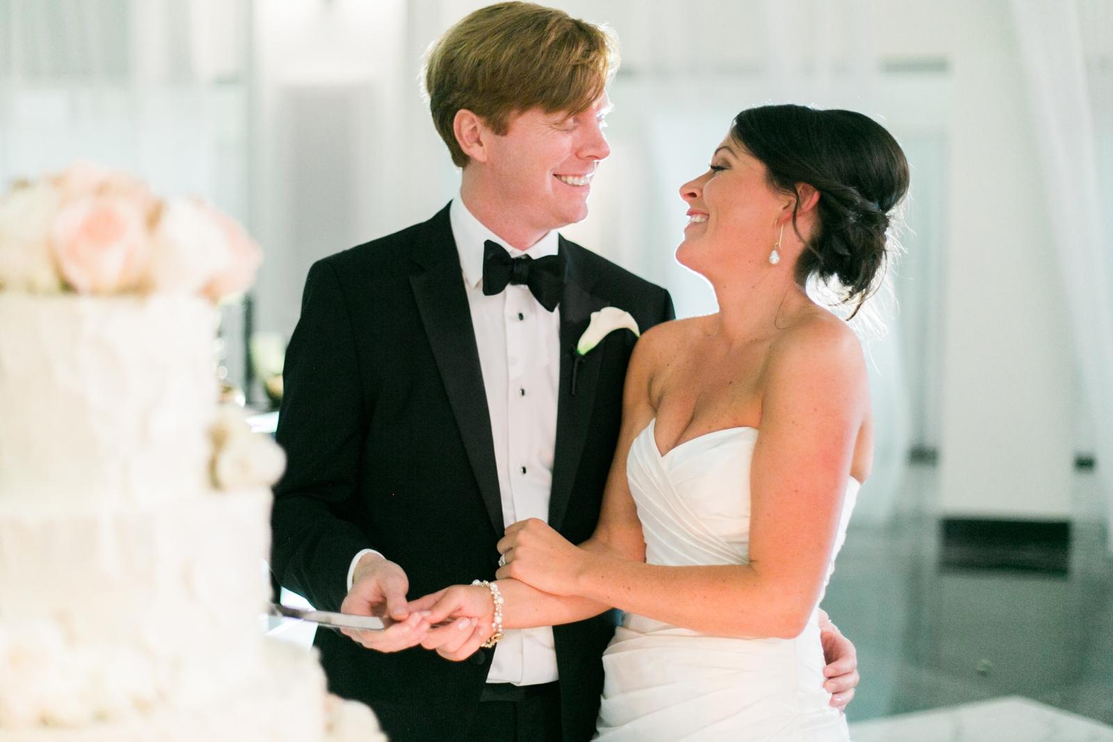 atrium at curtis center wedding photographer philadelphia wedding photographer shannon griffin_0042.jpg