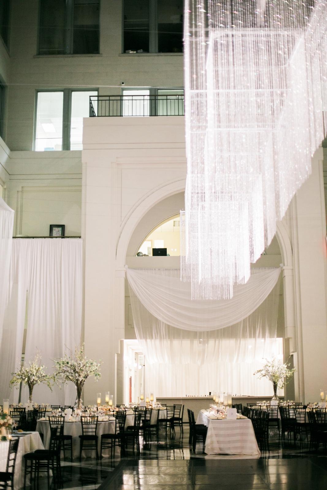 atrium at curtis center wedding photographer philadelphia wedding photographer shannon griffin_0054.jpg