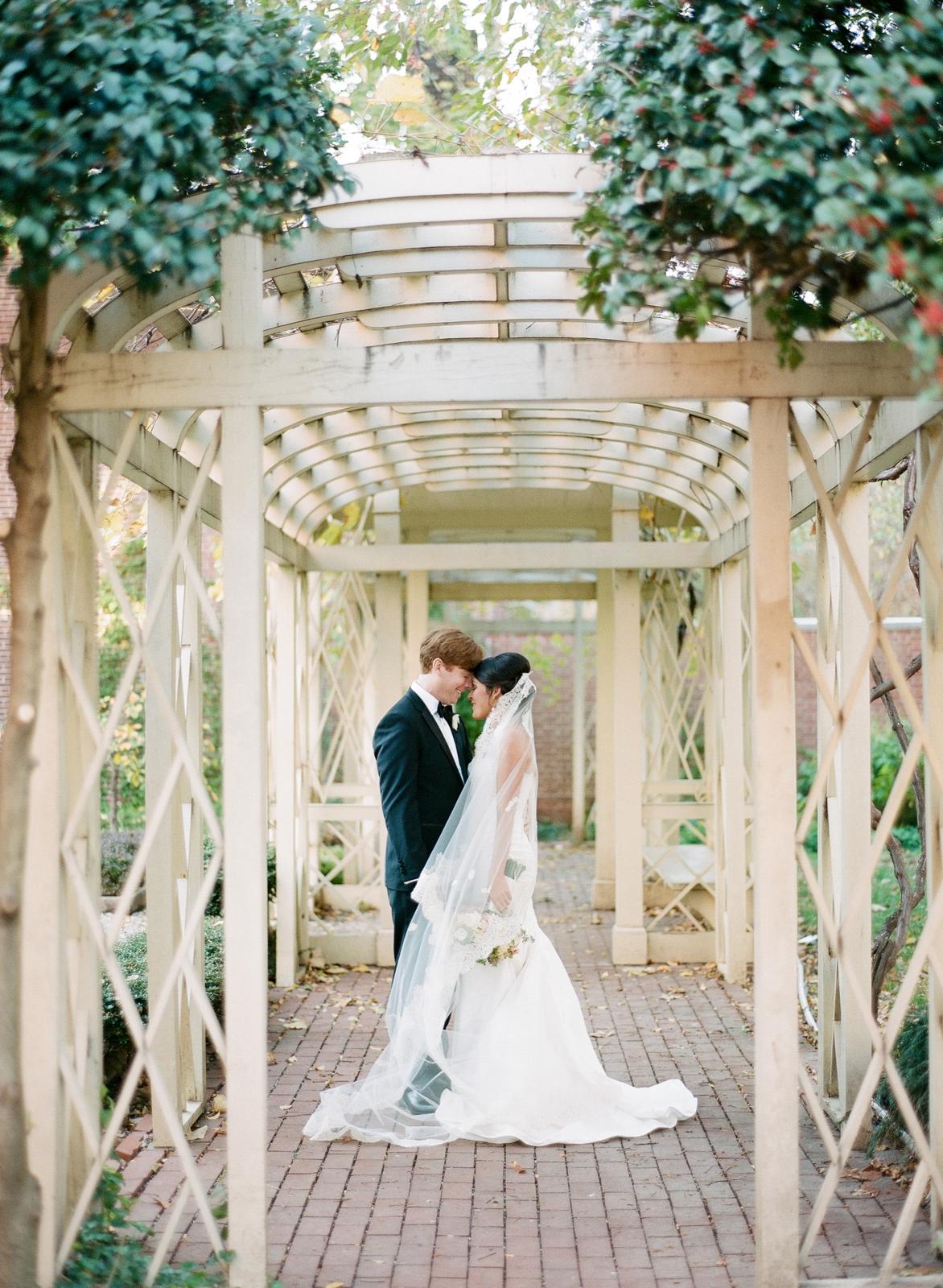 atrium at curtis center wedding photographer philadelphia wedding photographer shannon griffin_0068.jpg