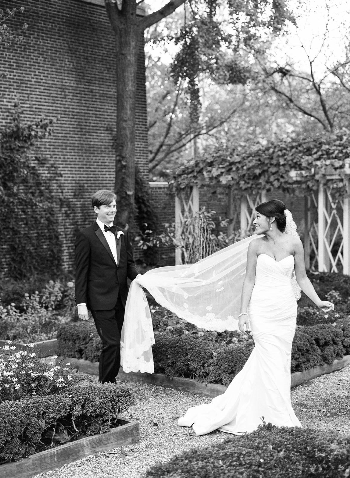 atrium at curtis center wedding photographer philadelphia wedding photographer shannon griffin_0077.jpg