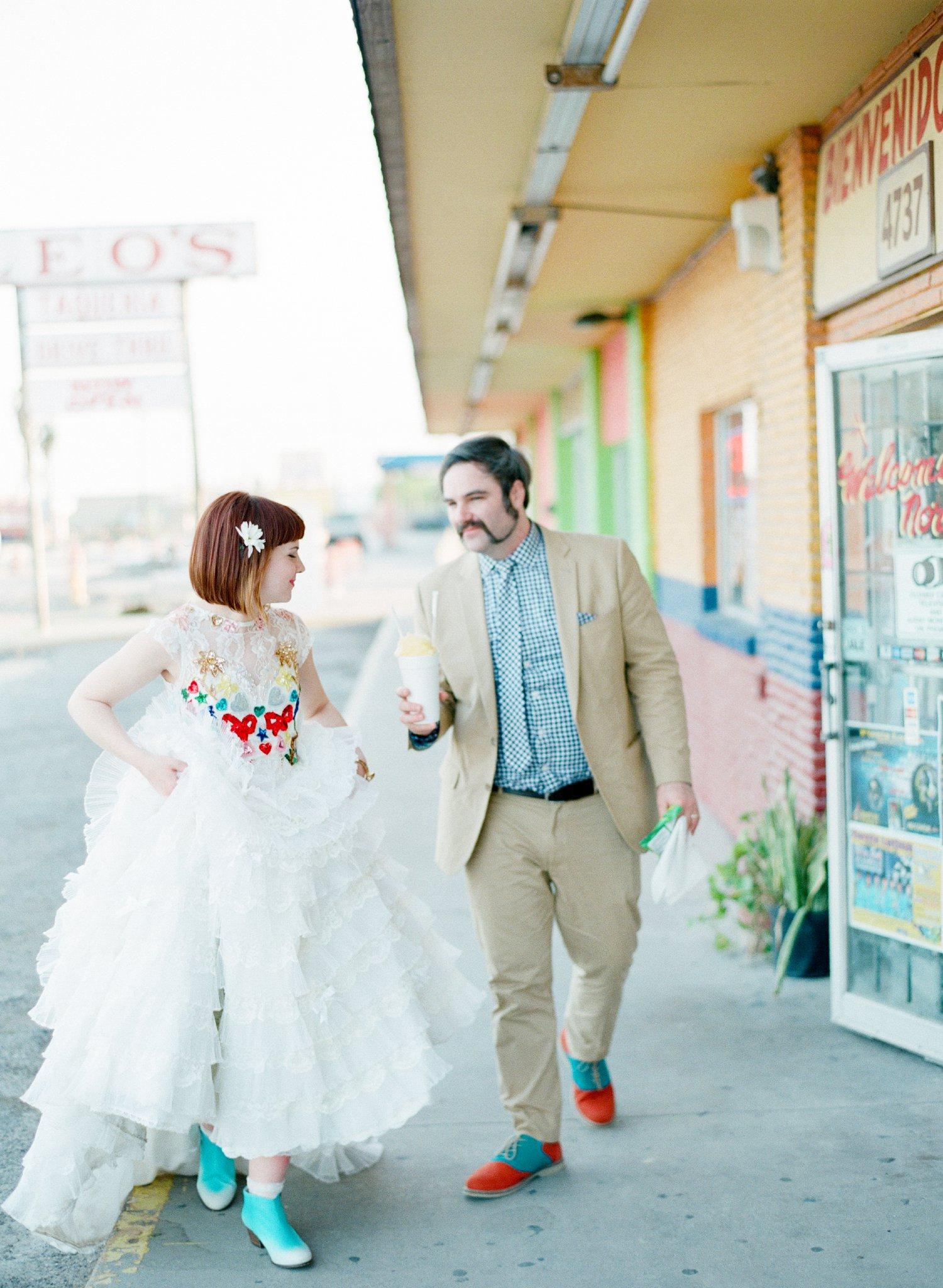 eclectic texan wedding the connoisseur of cute wedding texas wedding photographer shannon griffin photography_0013.jpg