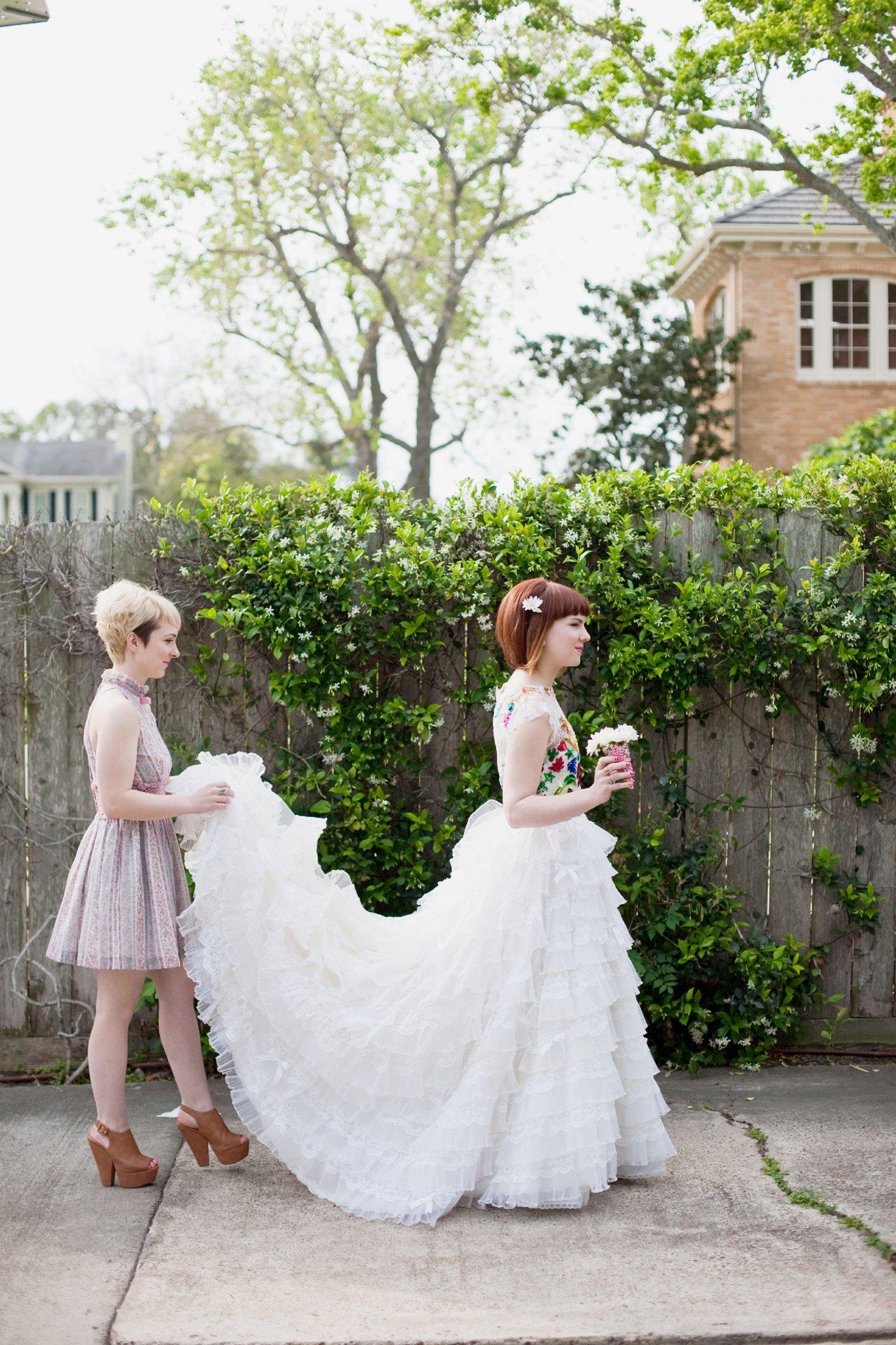 eclectic texan wedding the connoisseur of cute wedding texas wedding photographer shannon griffin photography_0014.jpg