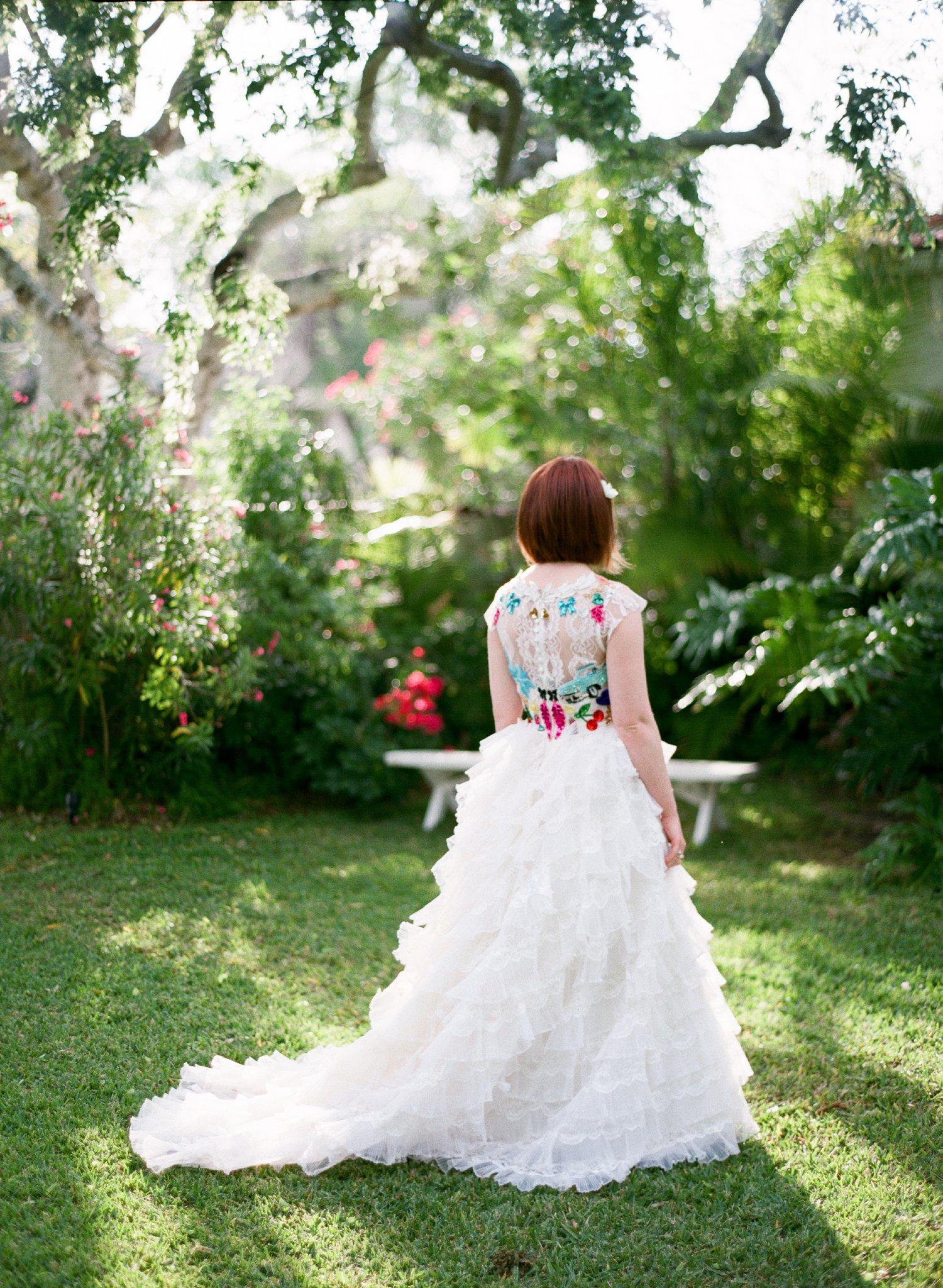 eclectic texan wedding the connoisseur of cute wedding texas wedding photographer shannon griffin photography_0046.jpg