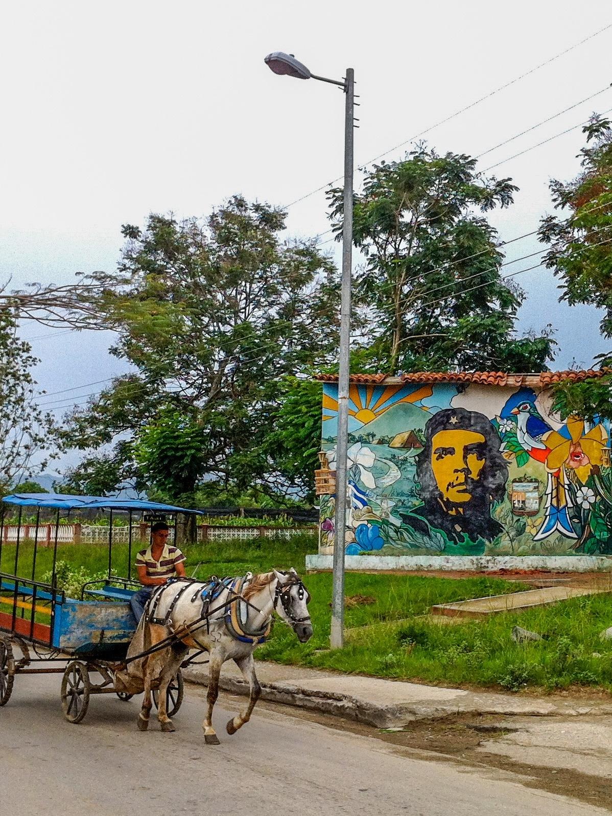 Che Guevara looking over Santa Clara