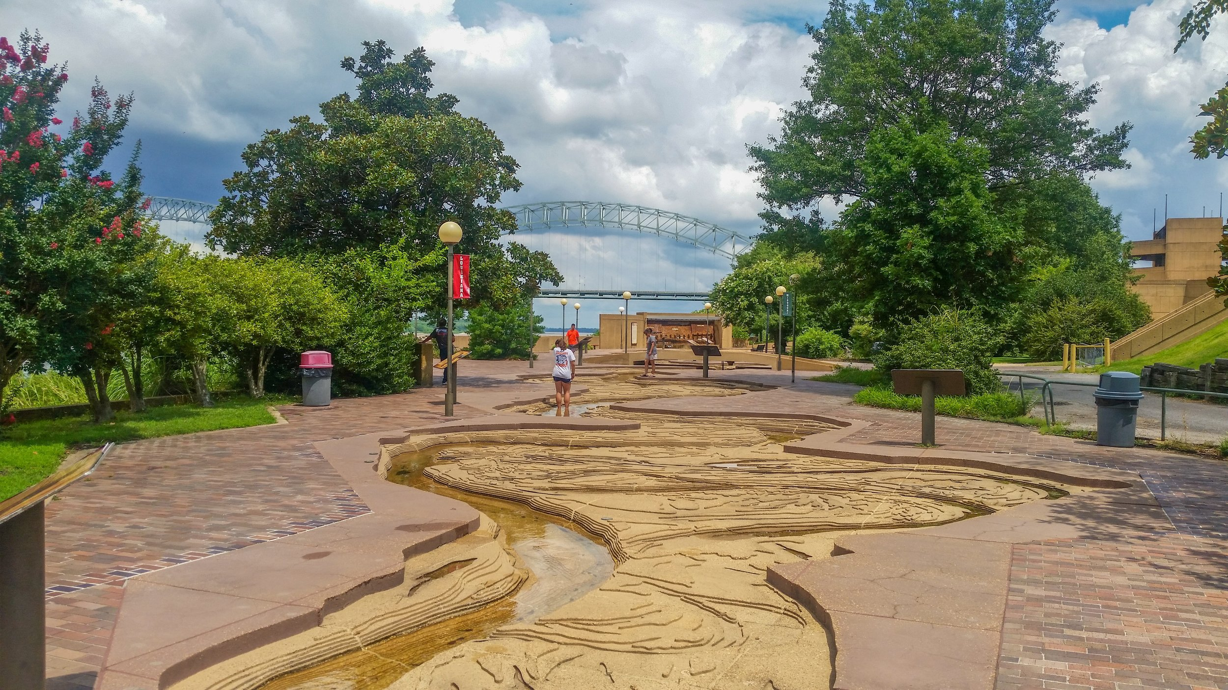 Mud Island Park's scale-model of the Mississippi River