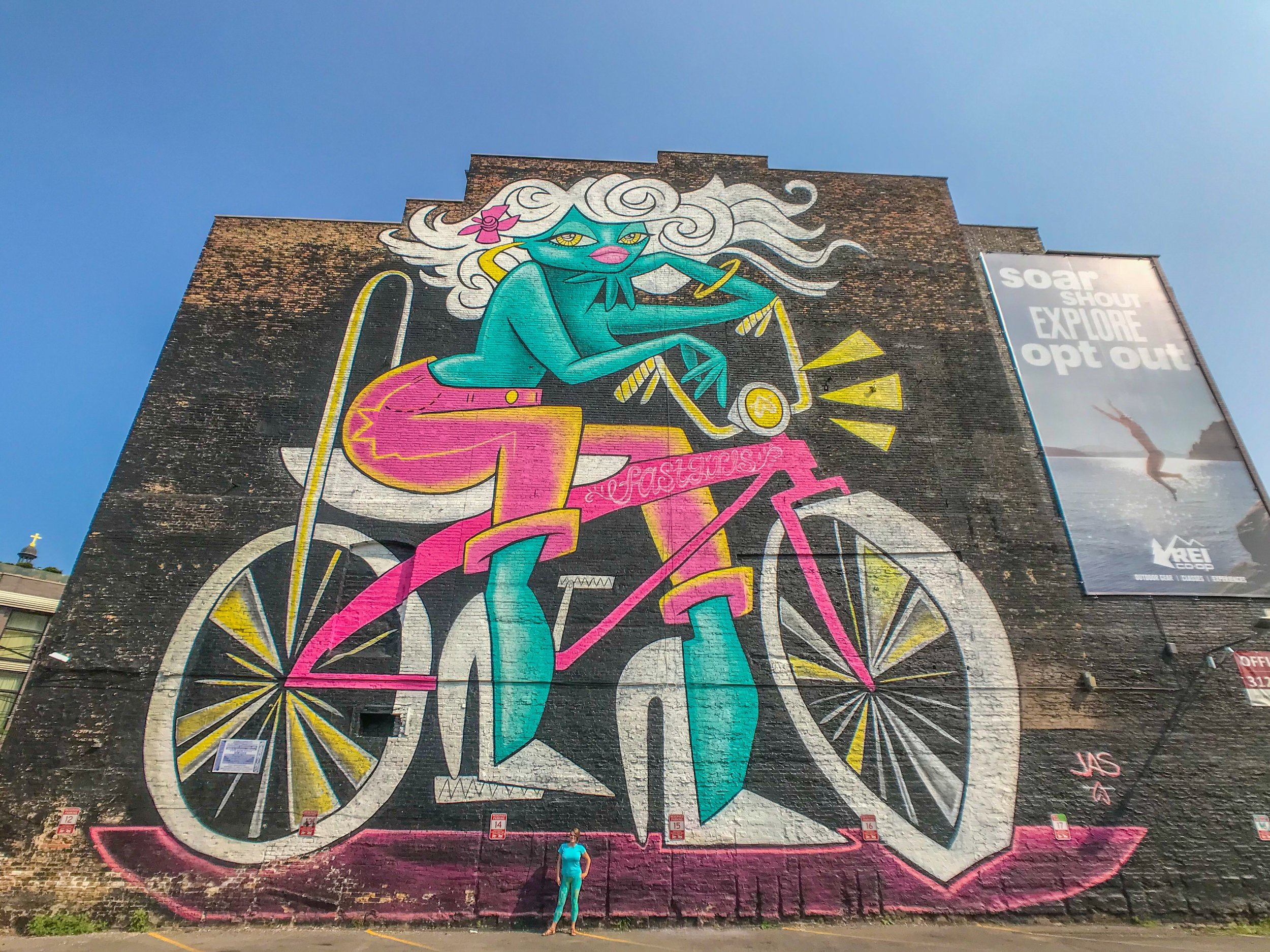 Chicago's Fast Girl Mural, painted by Jas Peterson