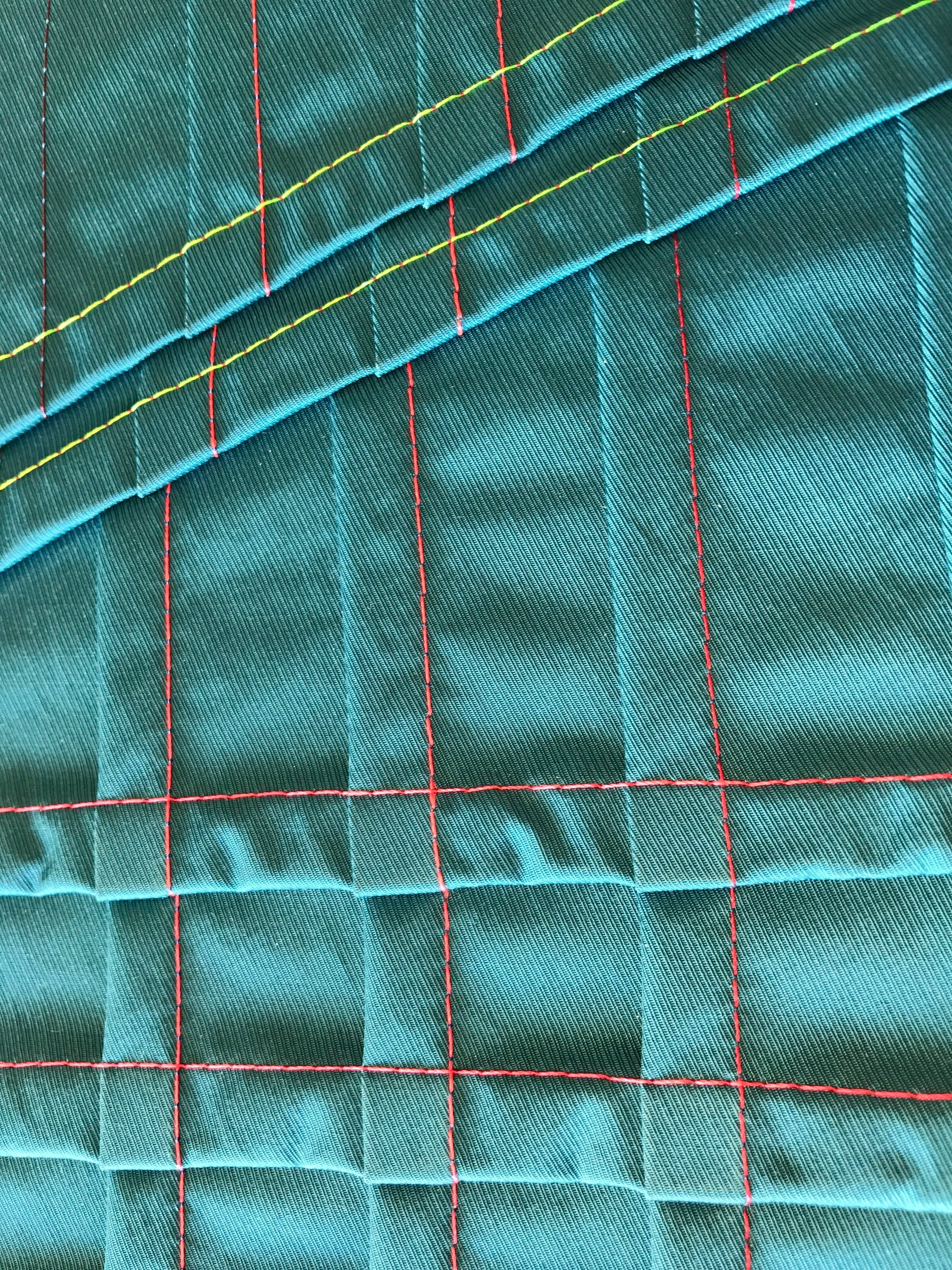Pleated fabric using embroidery thread Poly by Gunold