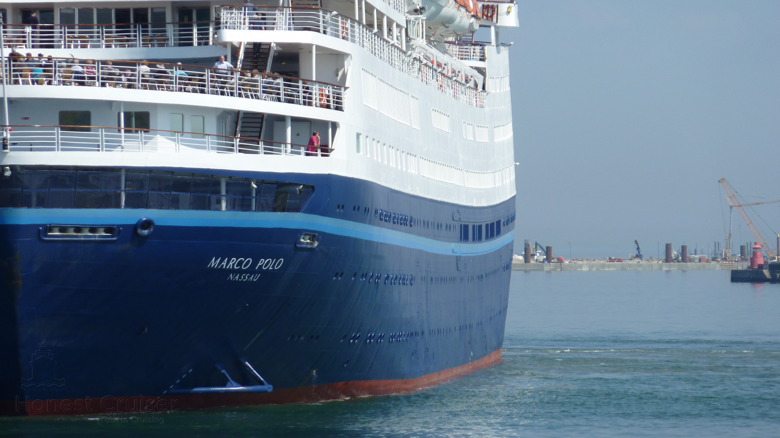 Note the upward curving or sheer of Marco Polo's decks