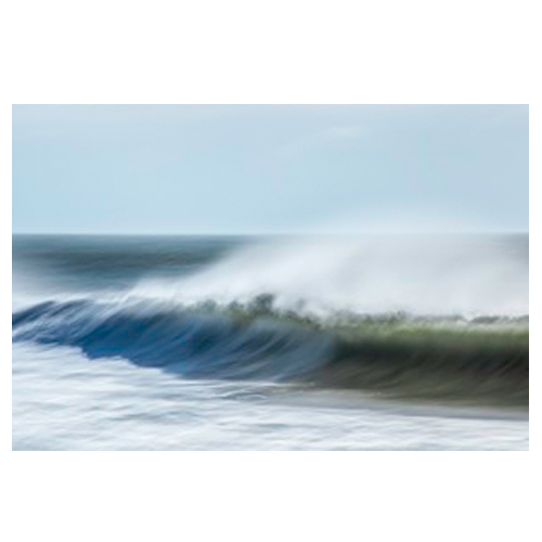 Waves with spray by Greg Anthon