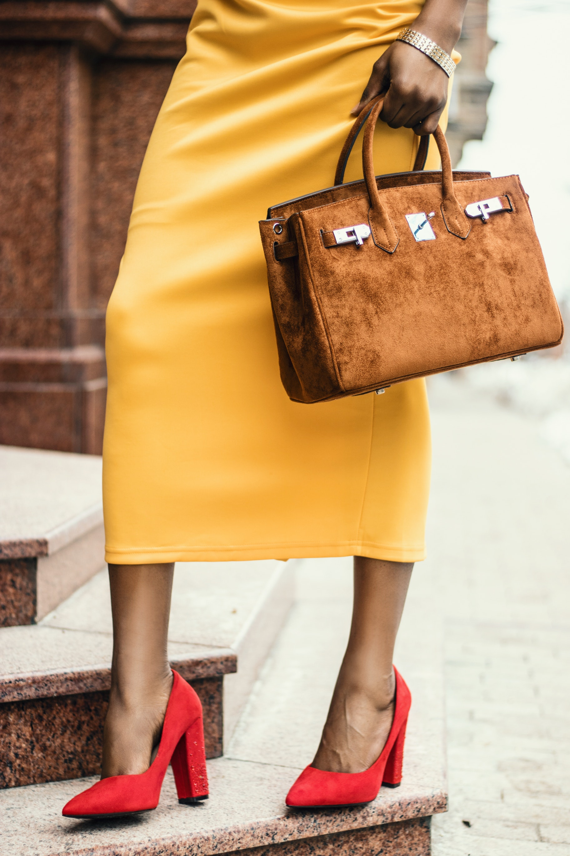 dress-elegant-fashion-1936851.jpg