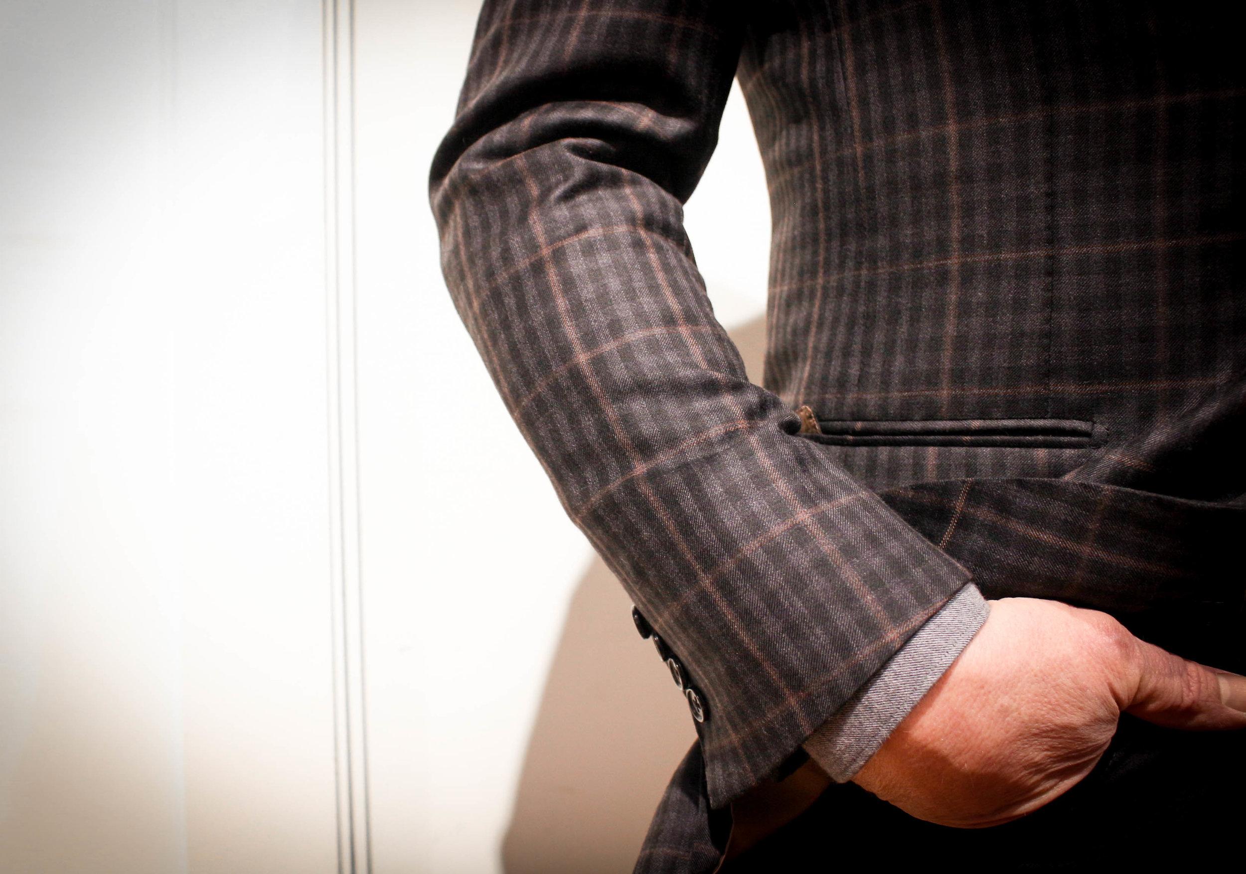 Custom fitted sport coat waist