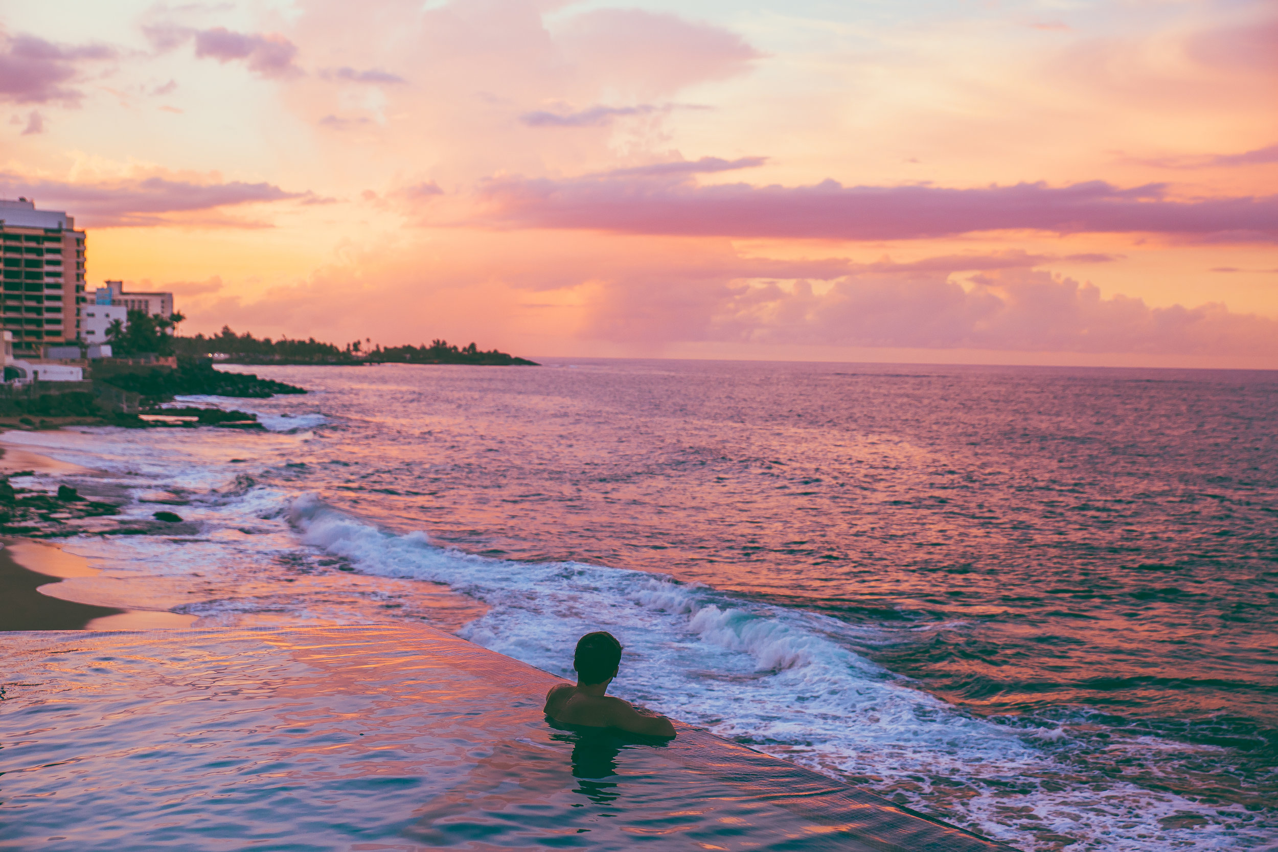 Checking In: Condado Vanderbilt Hotel (San Juan, Puerto Rico) // #readysetjetset #sanjuan #puertorico #luxuryhotels #hotels #beach #sunset www.readysetjetset.net