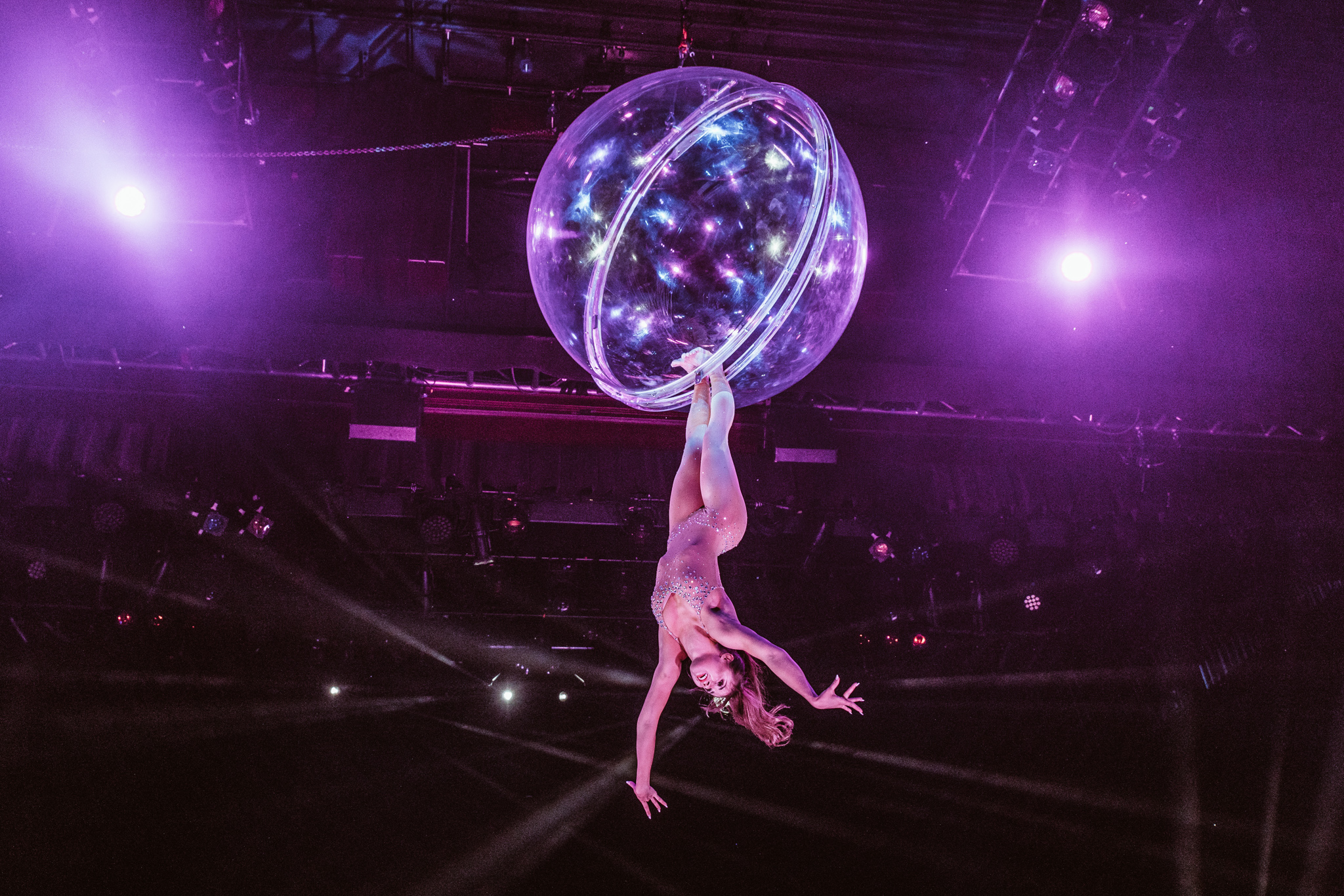 Cirque Paris variety show in Reno // A Quick Guide to North Lake Tahoe & Reno