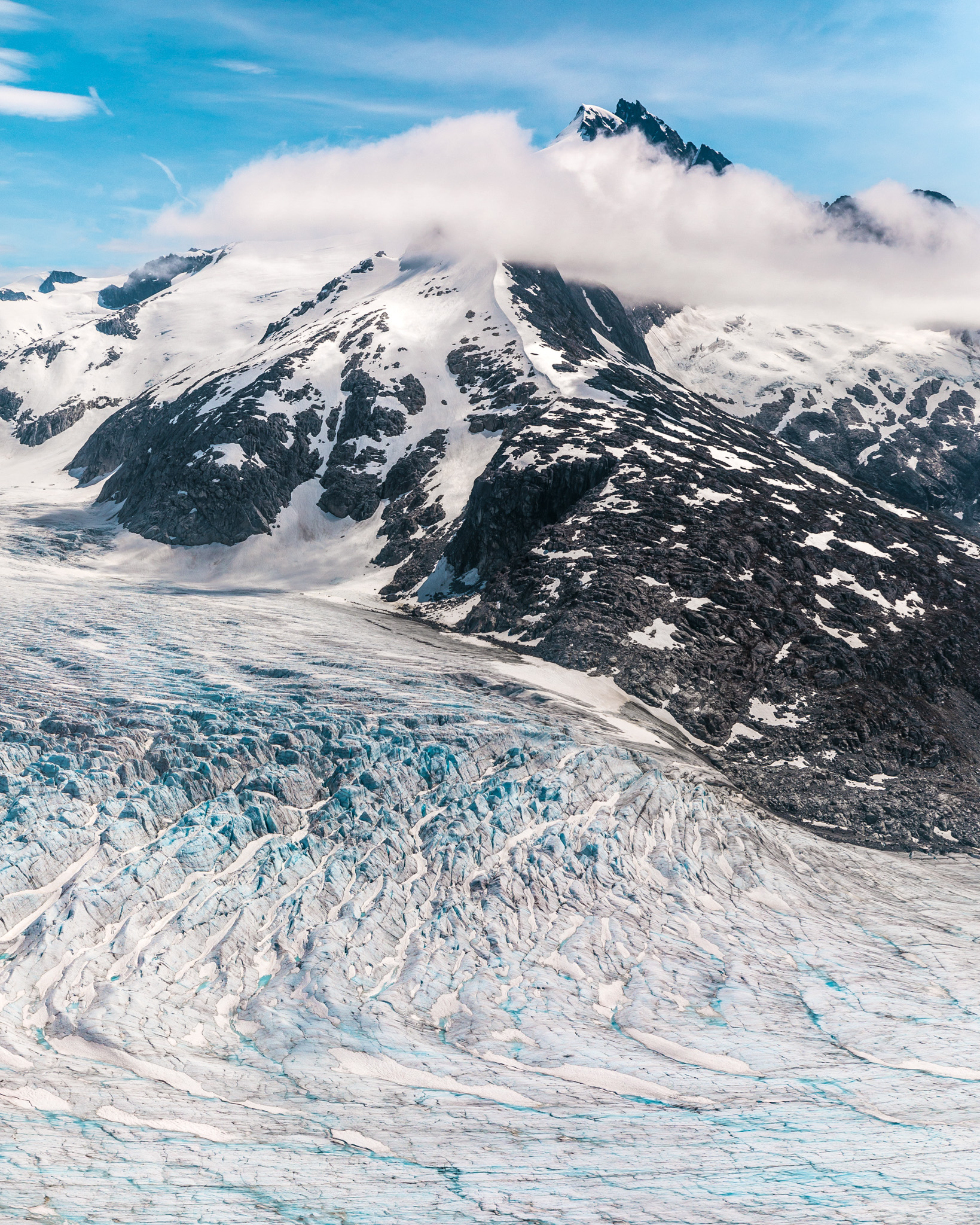 Ultimate Alaska: Cruising Glaciers and Fjords Onboard the Seabourn Sojourn // www.readysetjetset.net #readysetjetset #seabourn #cruises #alaska