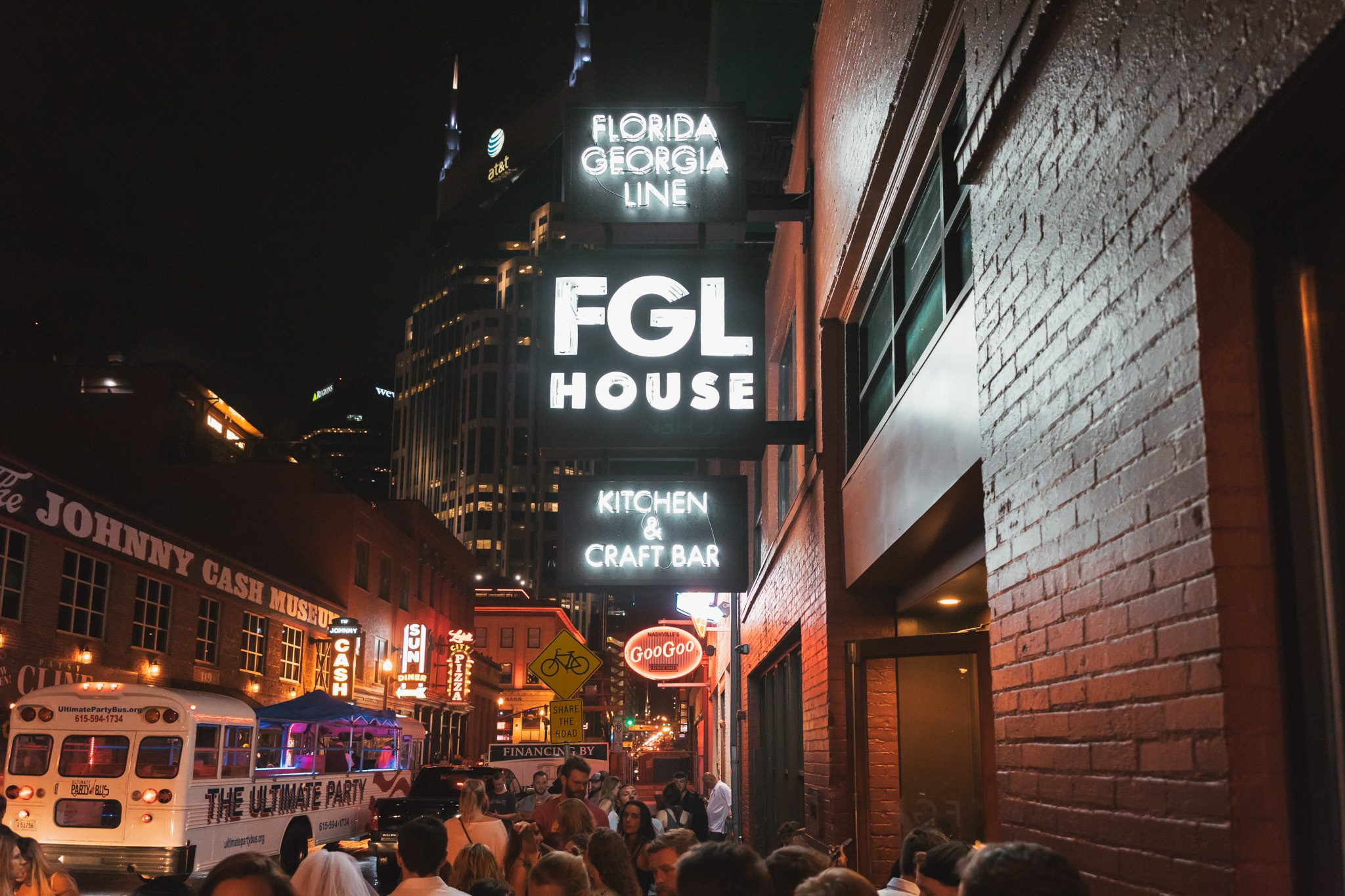 Florida Georgia Line House // A Weekend at Hotel Thrillist #readysetjetset