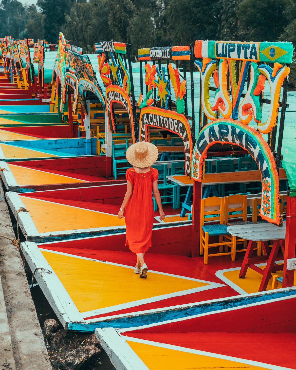 The trajineras of Xochimilco // The Most Instagrammable Spots in Mexico City #readysetjetset