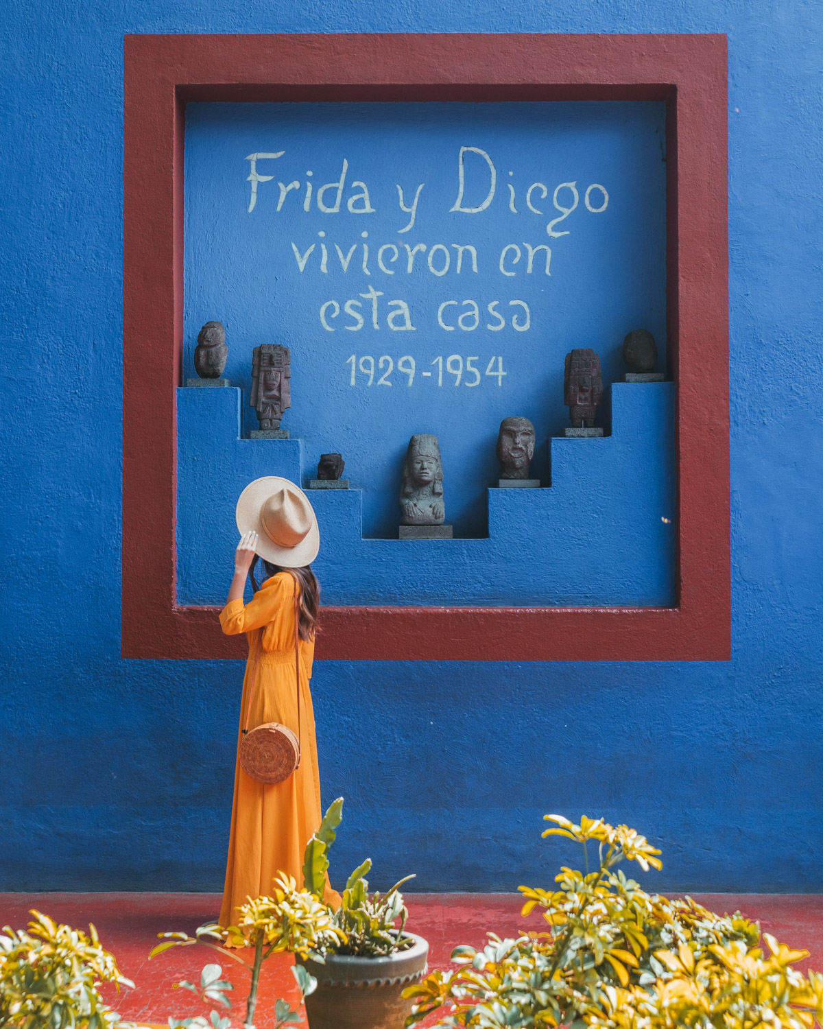 La Casa Azul, the Frida Kahlo Museum // The Most Instagrammable Spots in Mexico City #readysetjetset