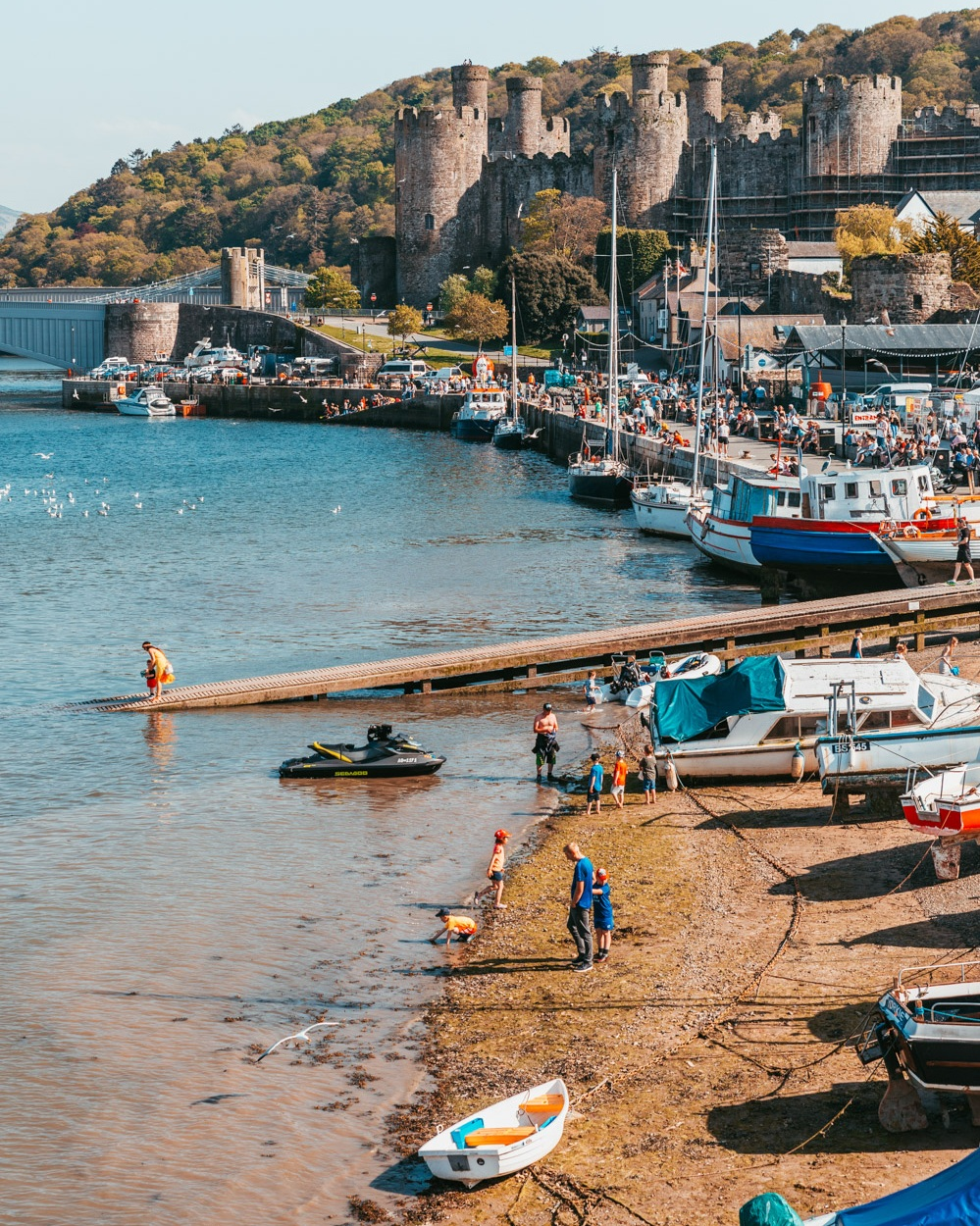 Conwy Castle and harbour // The Most Beautiful Places to Visit in Wales // #readysetjetset #wales #uk #welsh #travel #photospots #blogpost